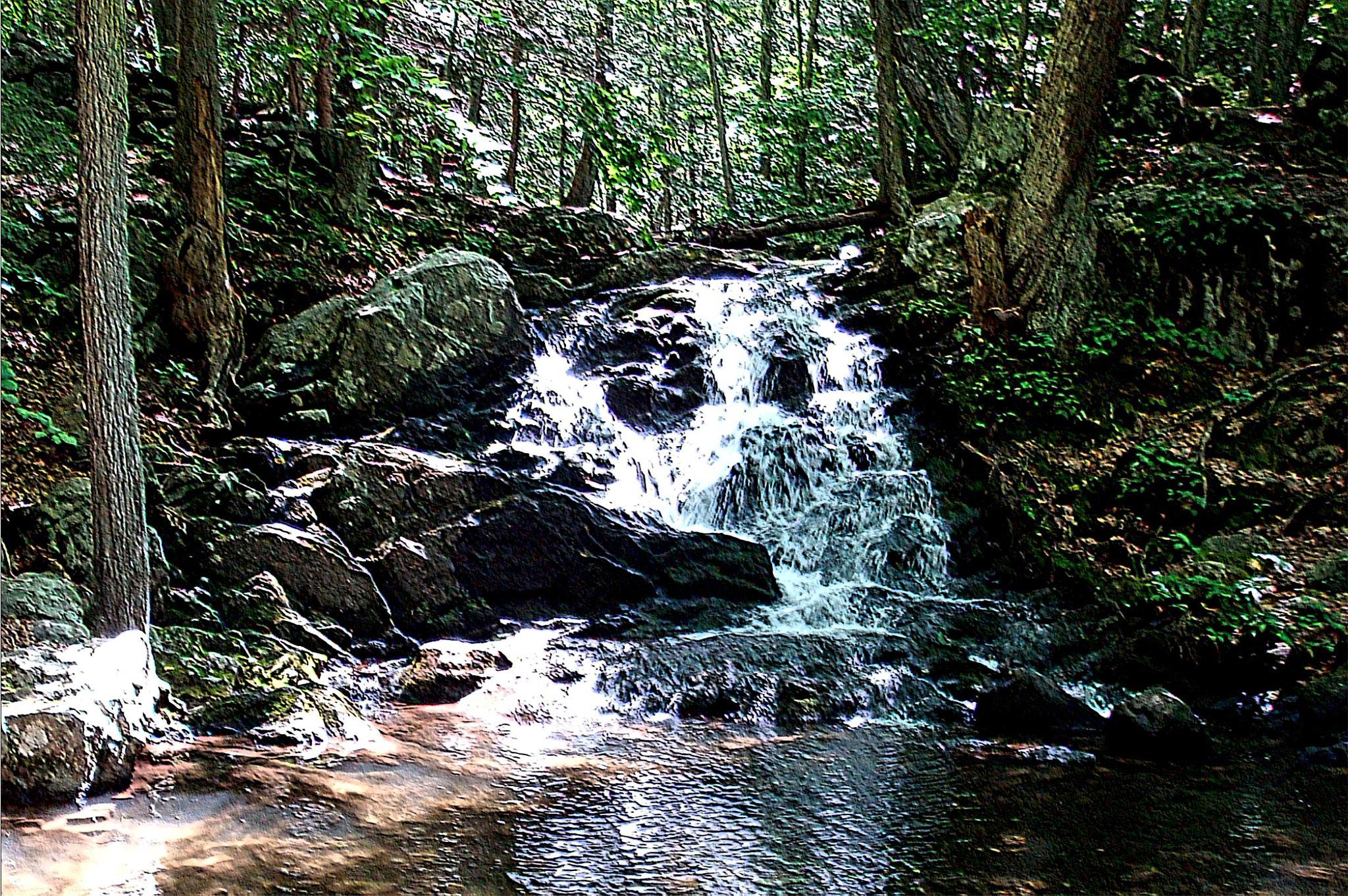 Ciaiola Park Falls by Joeski