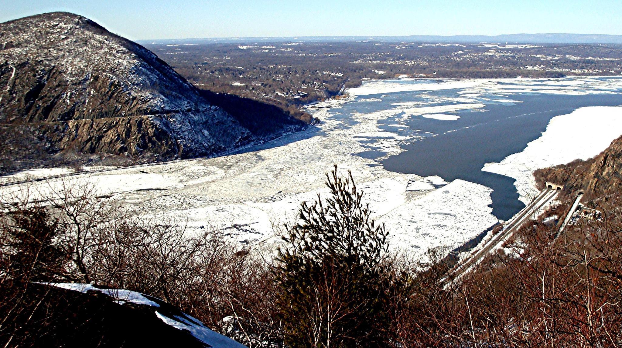 Frozen Hudson River  by Joeski