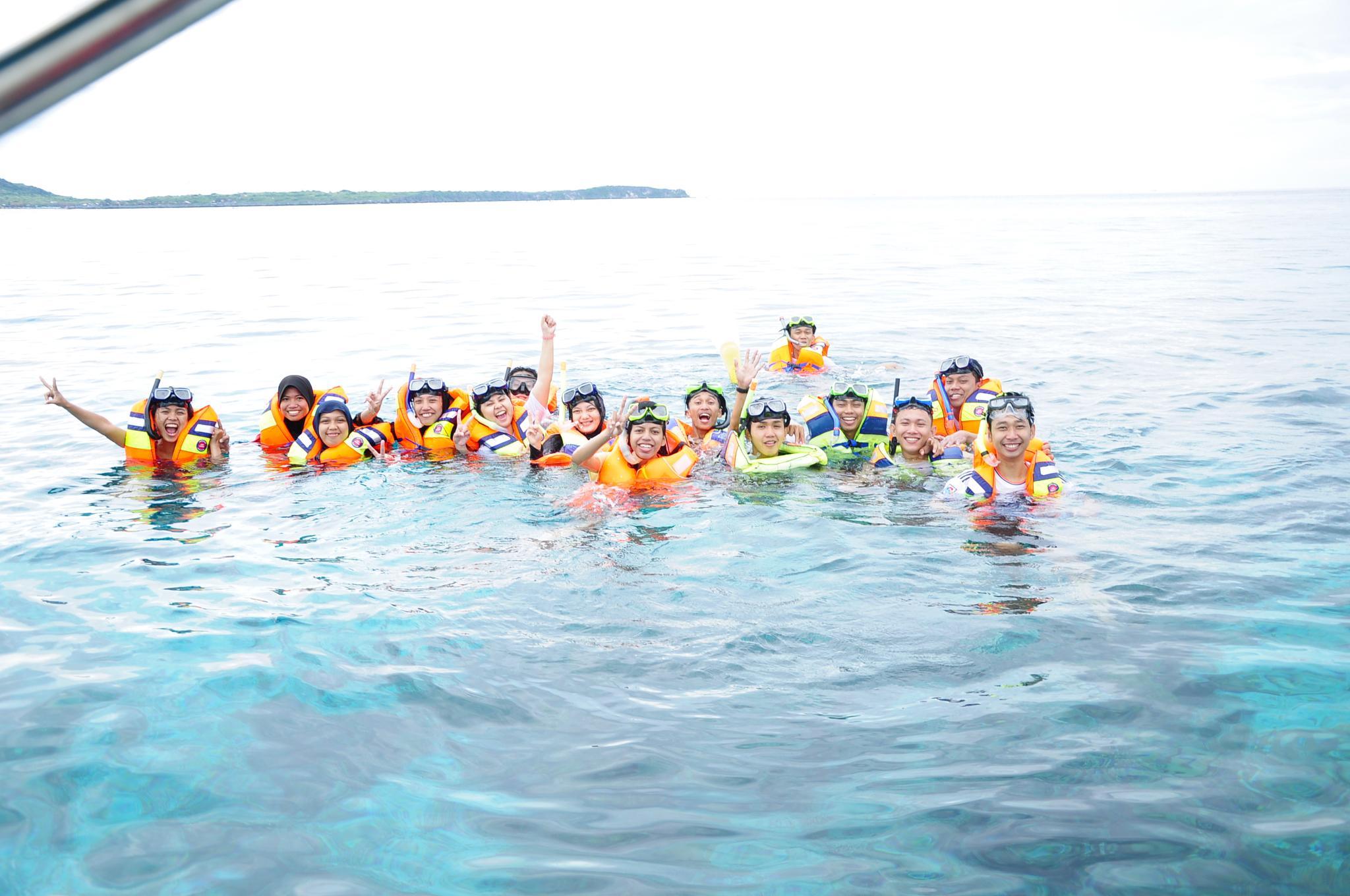 Happy Snorkeling by Lina Arfah