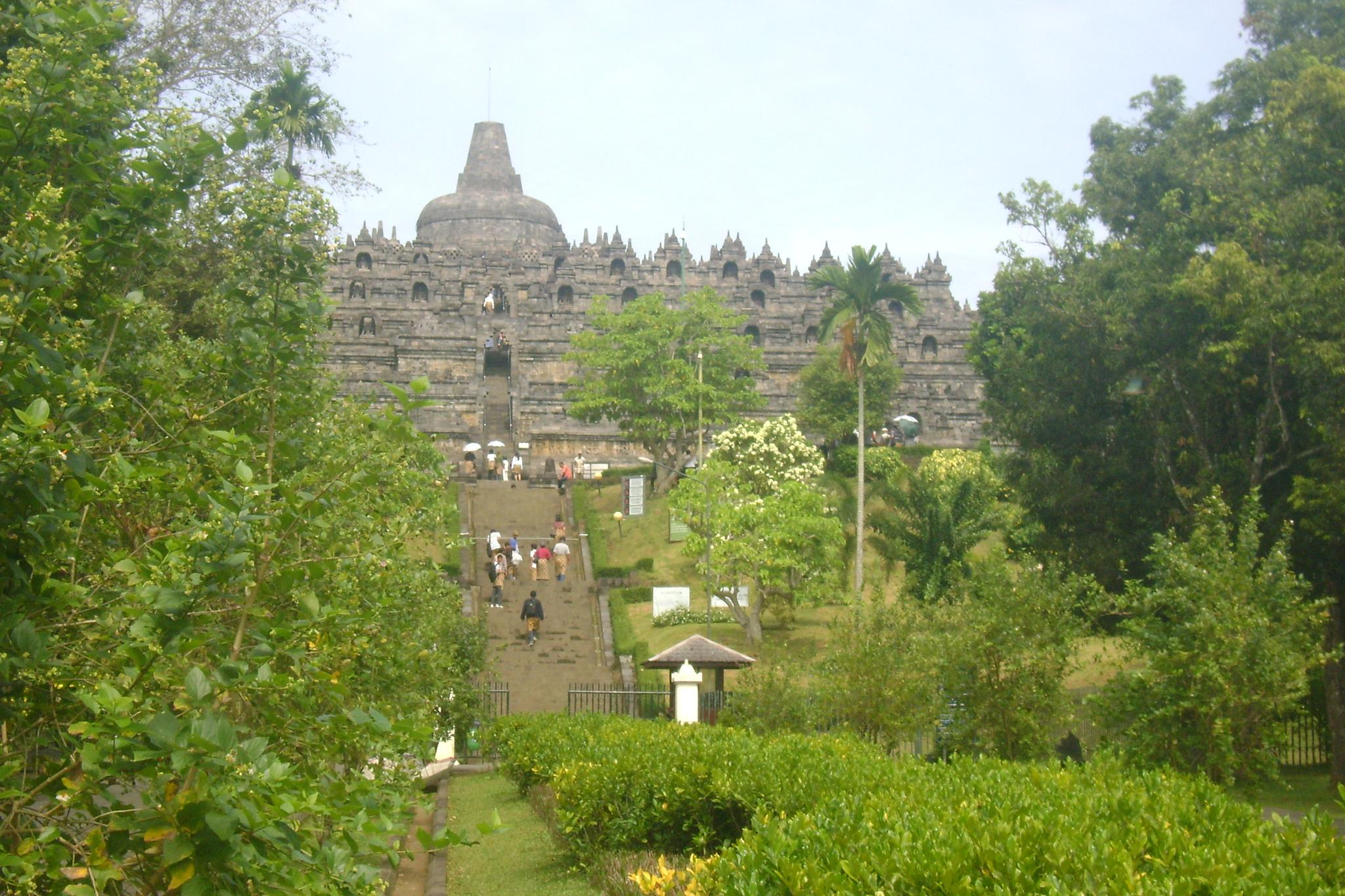 Borobudur Temple by Lina Arfah