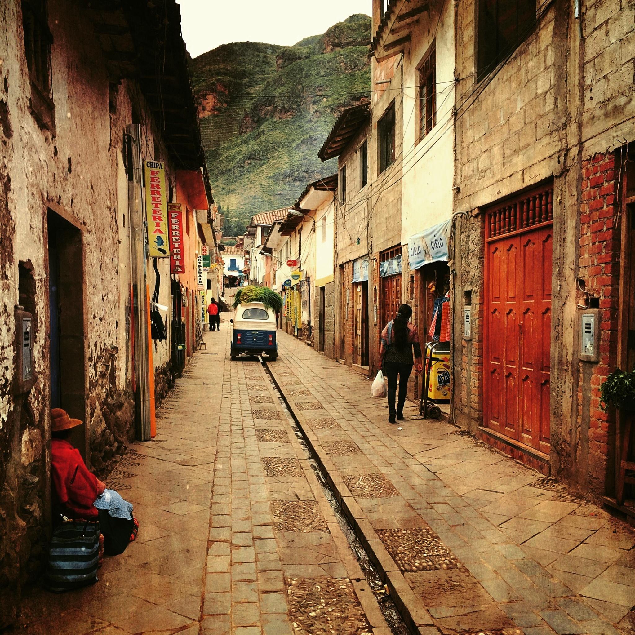 [•] calles de Pisac, Cusco, Perú  by [º] r e v e r s i d e _
