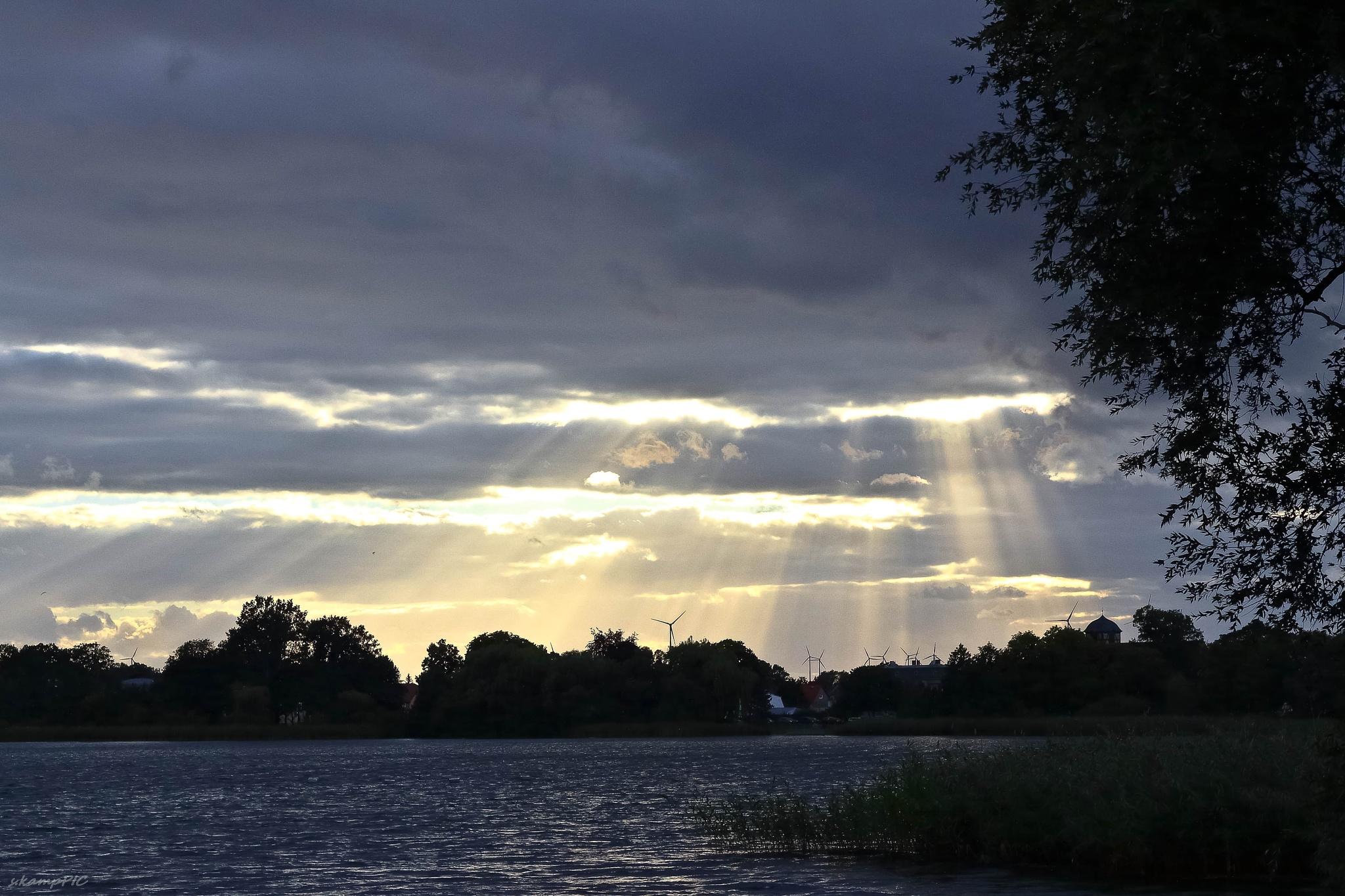 evening sun by Sebastian Kamp