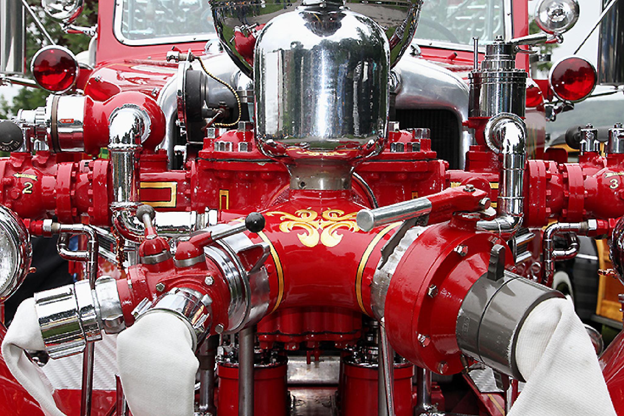 Antique Fire Truck by Bob Slitzan