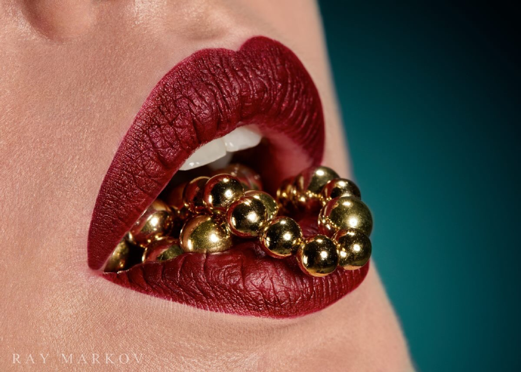 Red Lips by Simone Zbinden