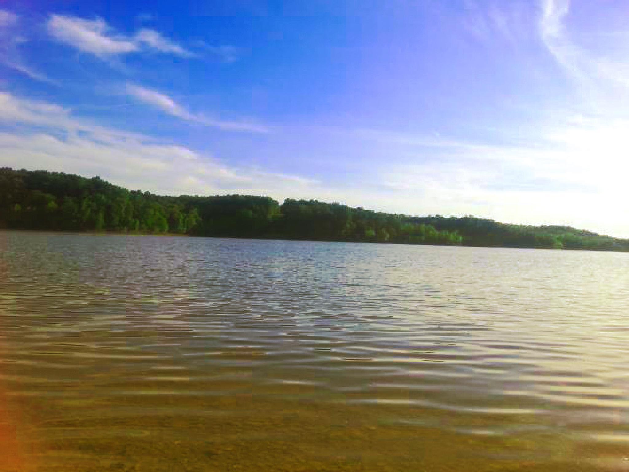 Green River Lake by Markesky Holland