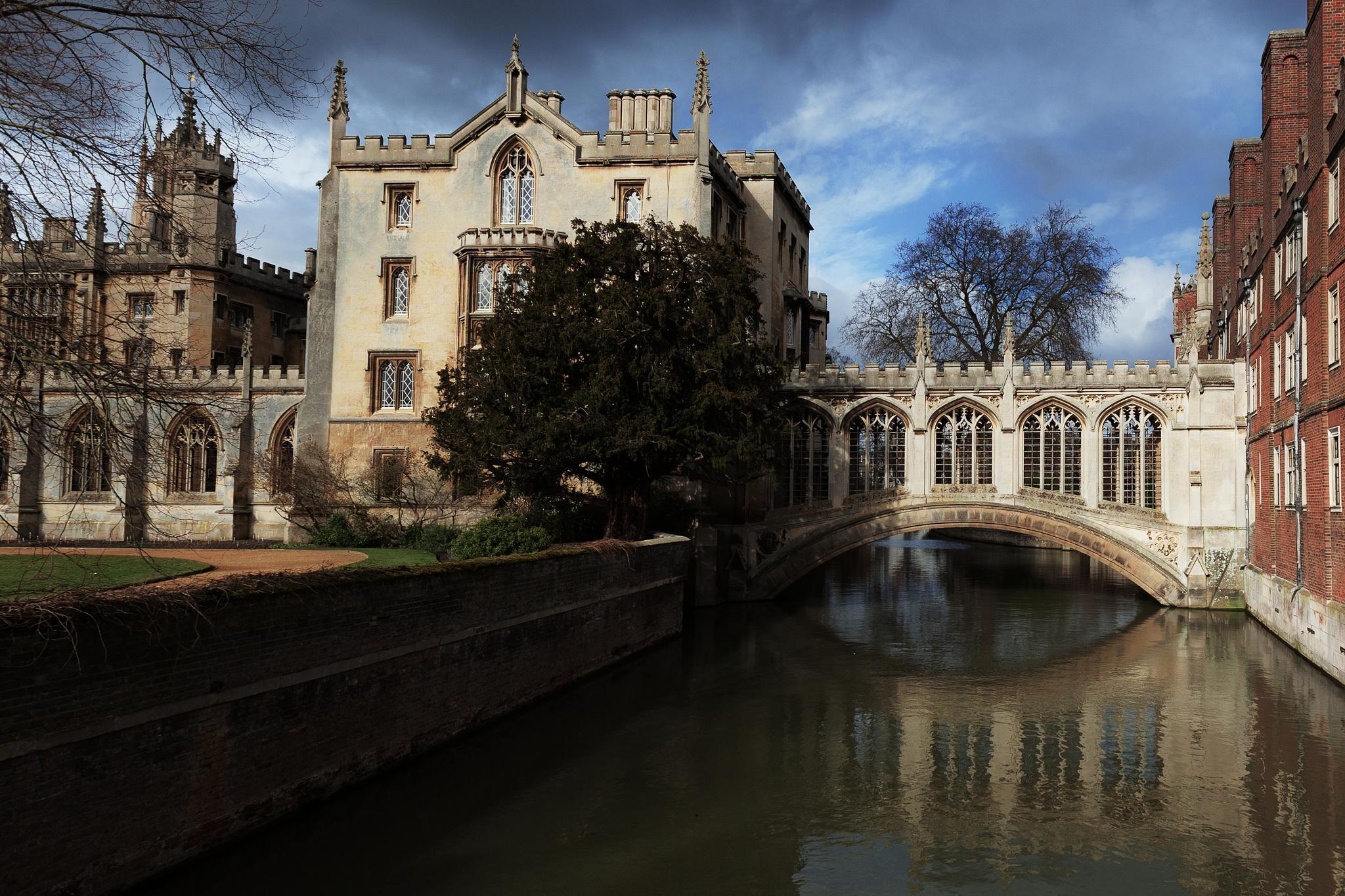 Bridge of Sighs Cambridge by Mike Howe