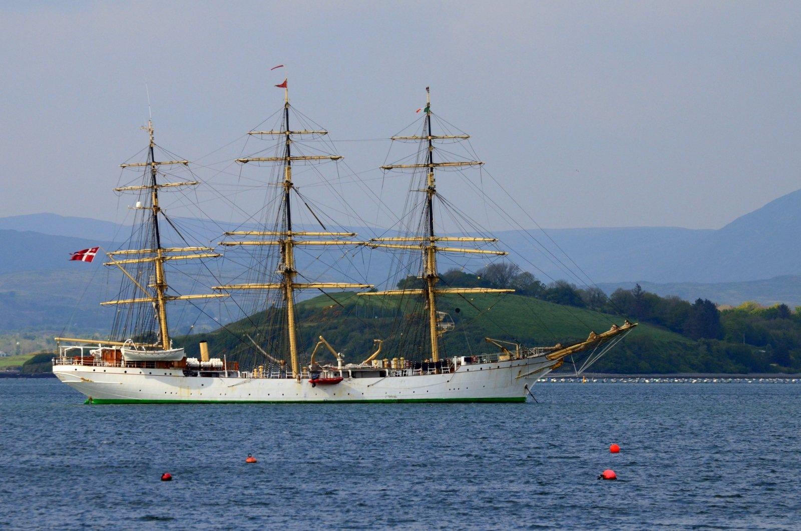 Danish Tall Ship in Bantry Bay. by jeffdixon