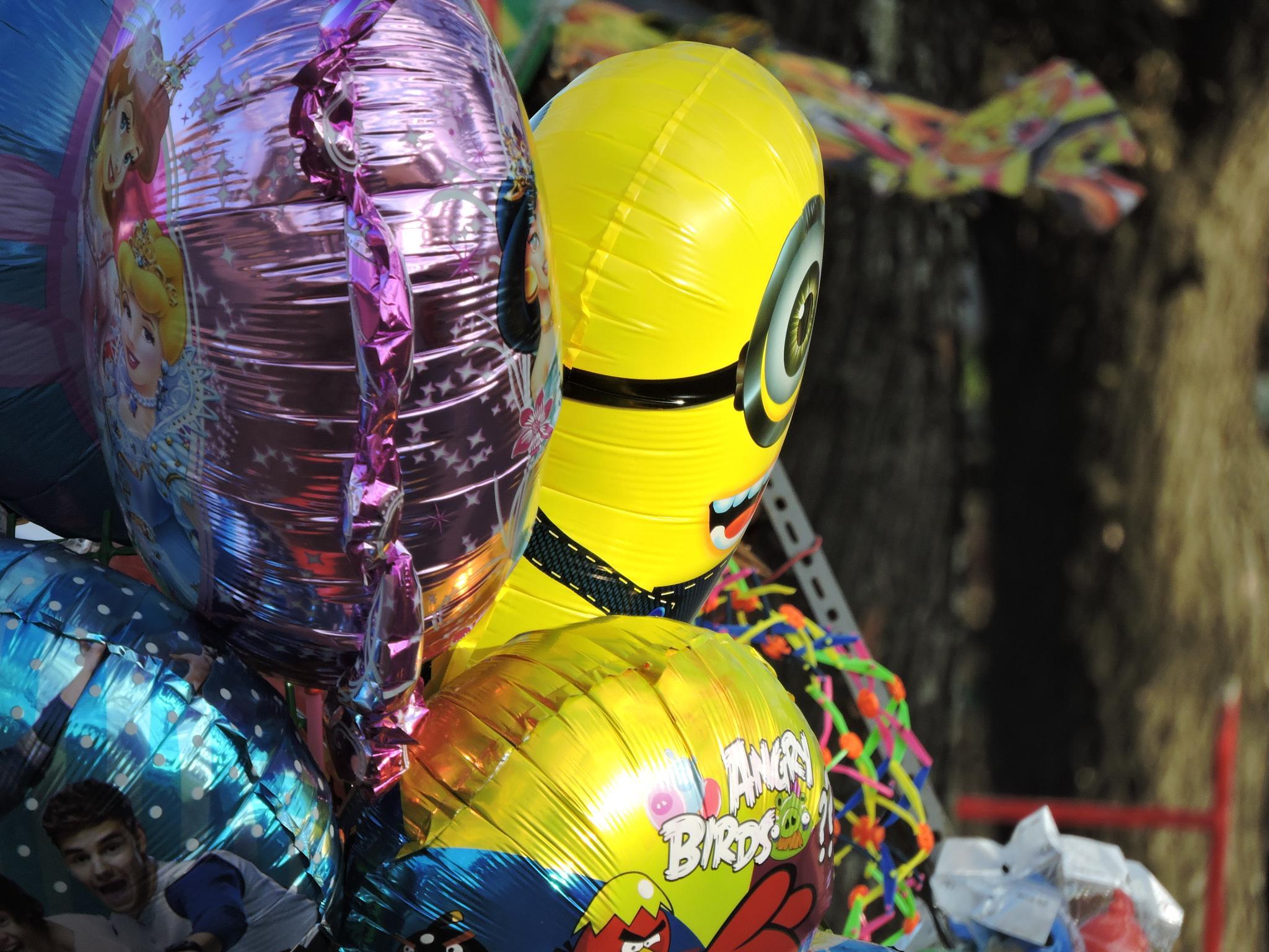 Globos metálicos (Metallic balloons) by marcelo.vazquez.1964