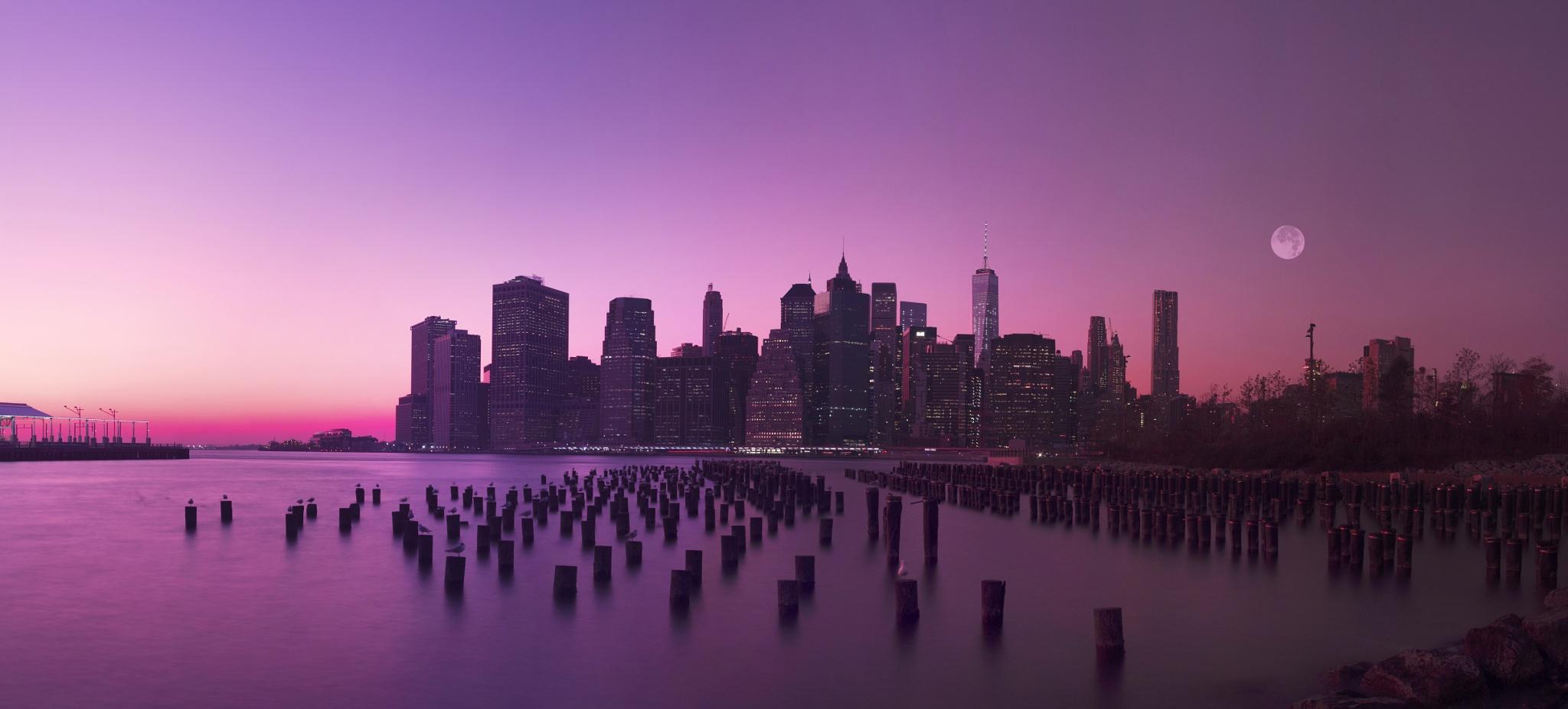 Manhattan Moon by Sebastian Helmke