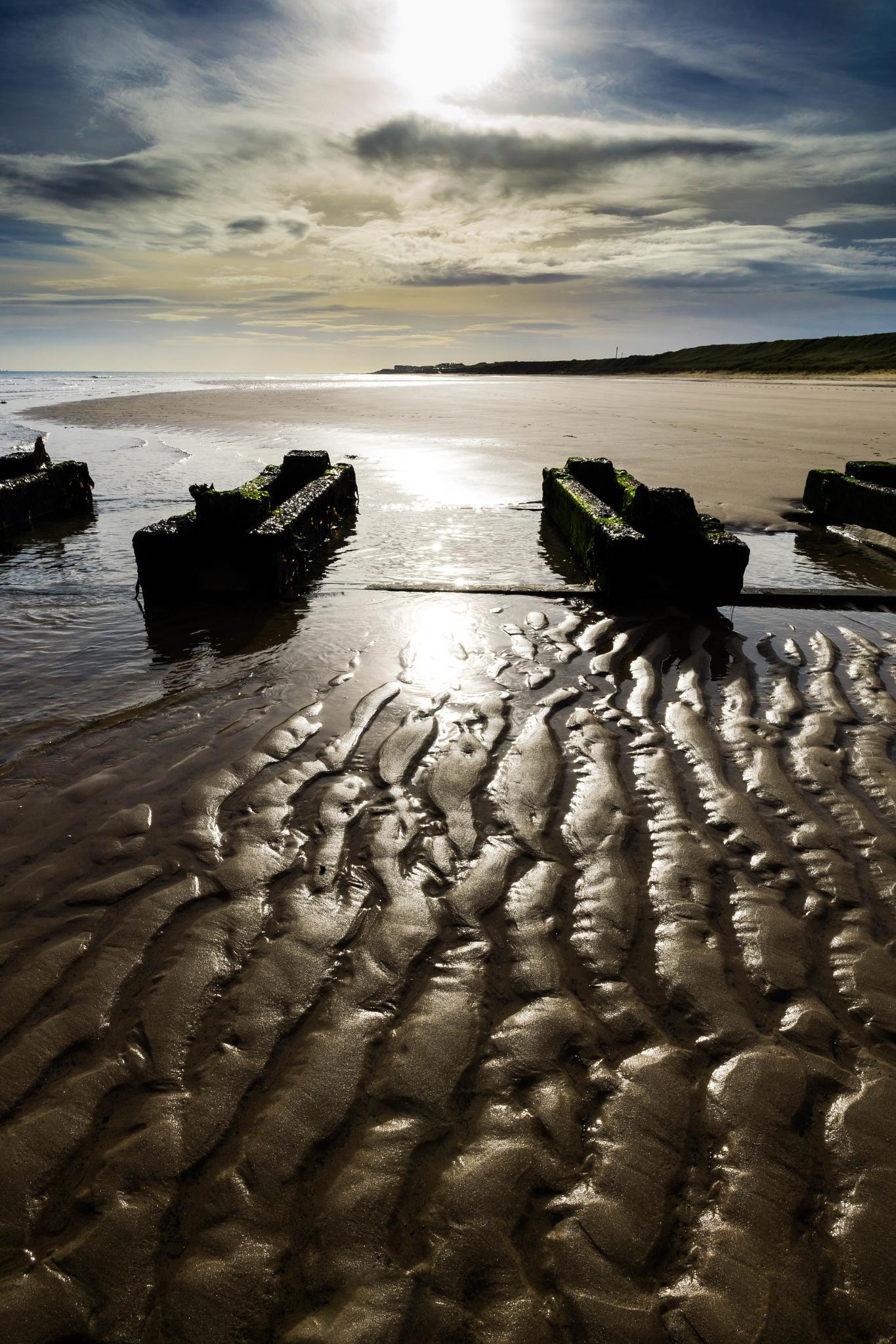 Low tide by Peter Edwardo Vicente.