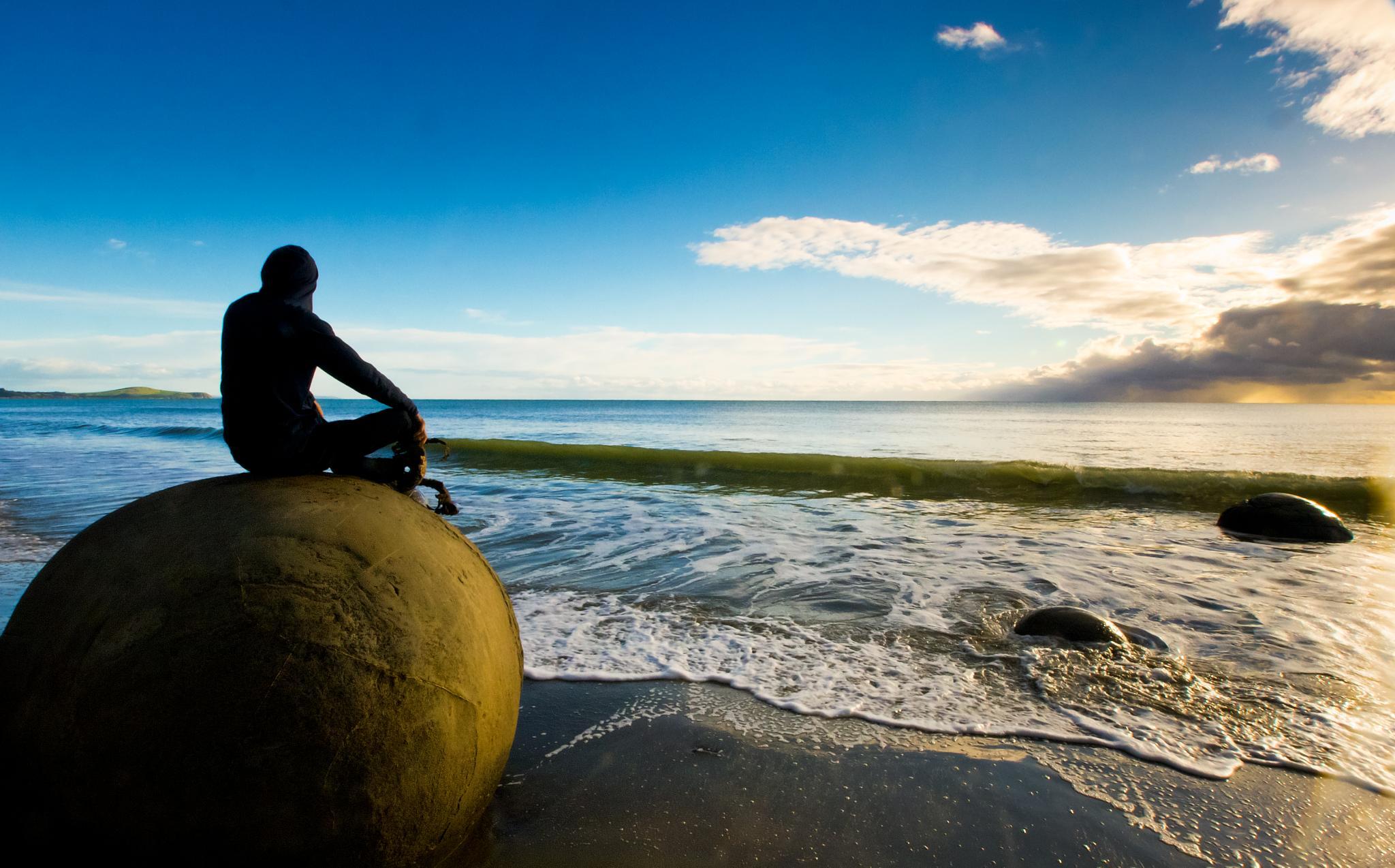 Moeraki Beach by Peter Edwardo Vicente.