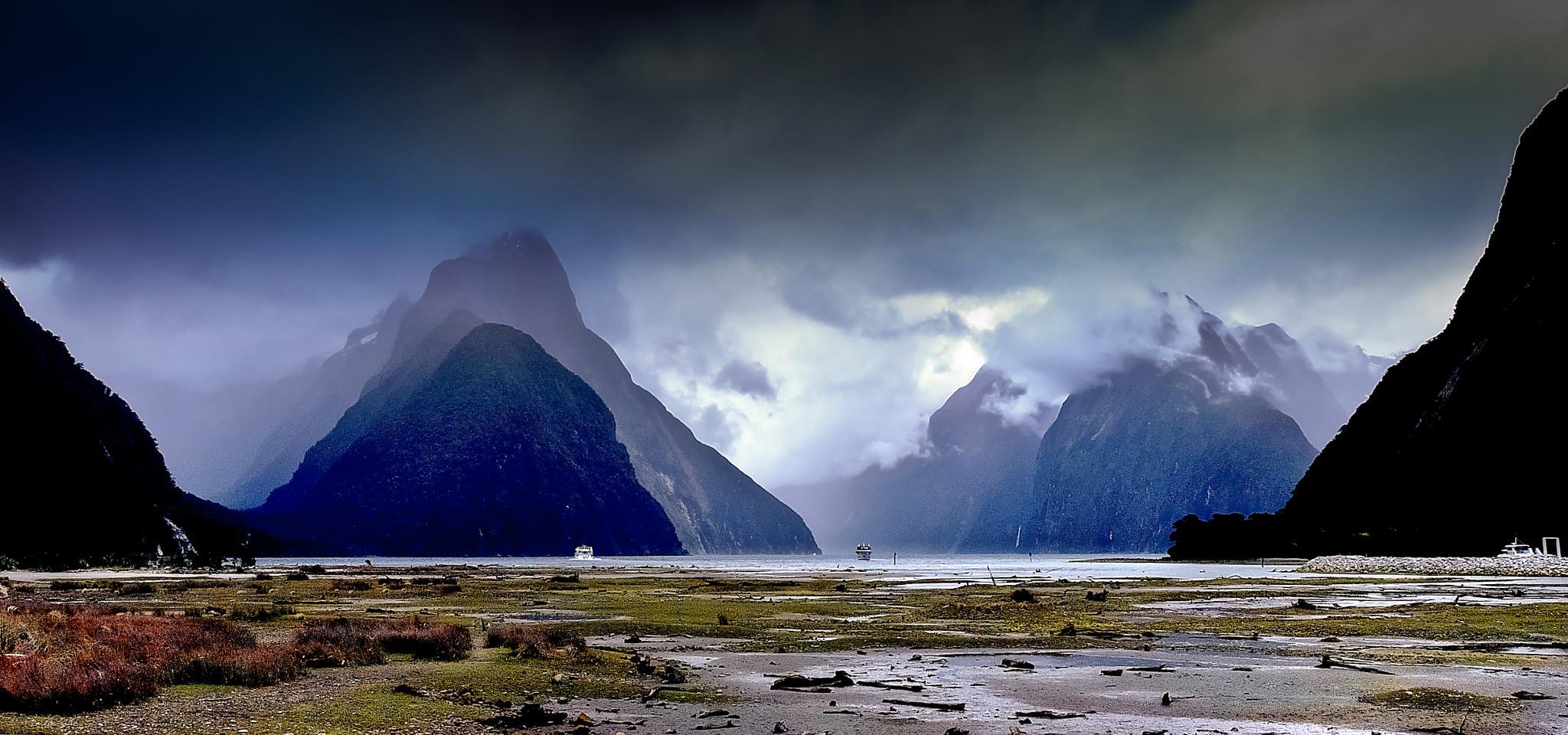 Milford Sound NZ by Peter Edwardo Vicente.