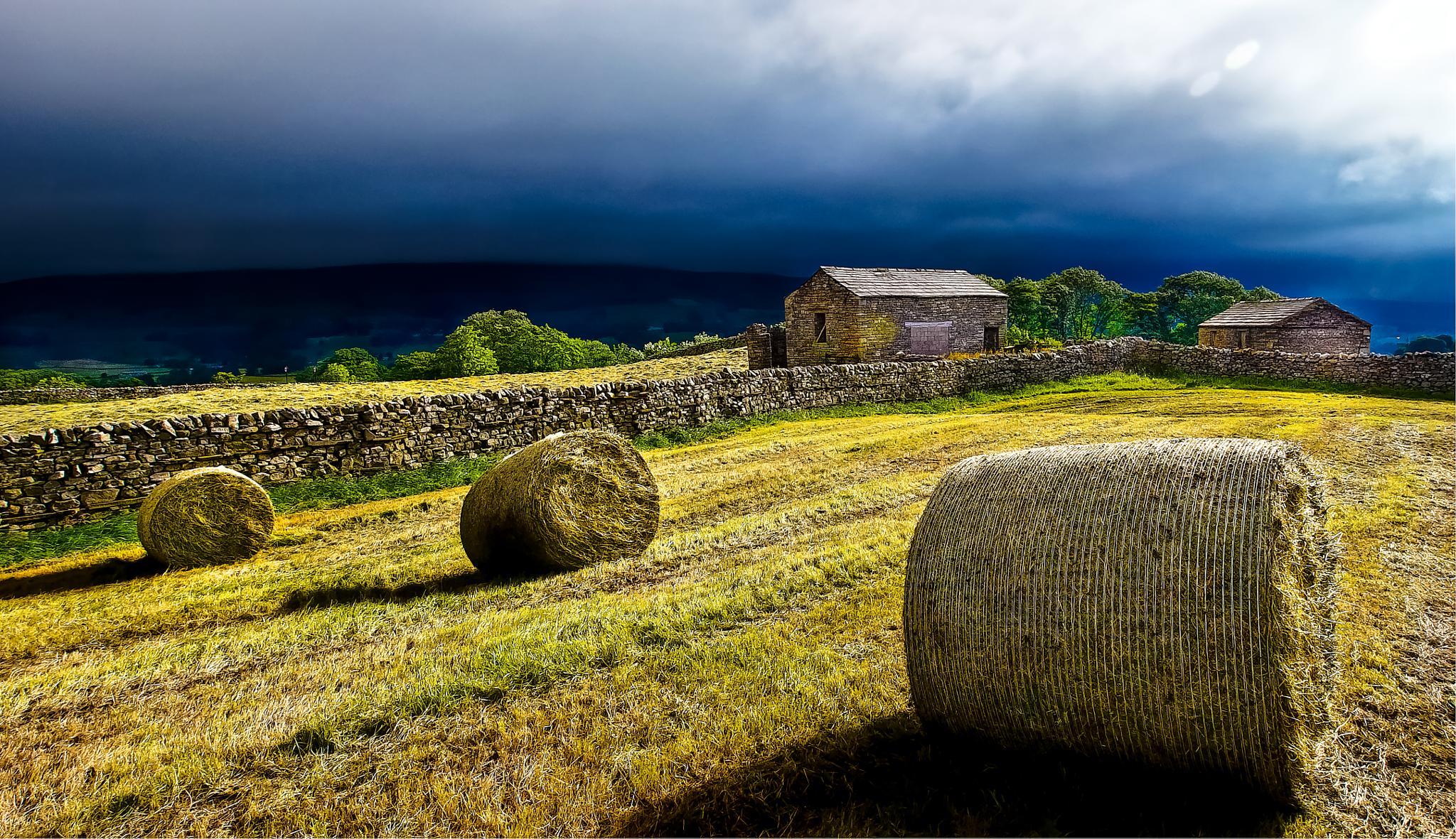 Dry stone barns by Peter Edwardo Vicente.