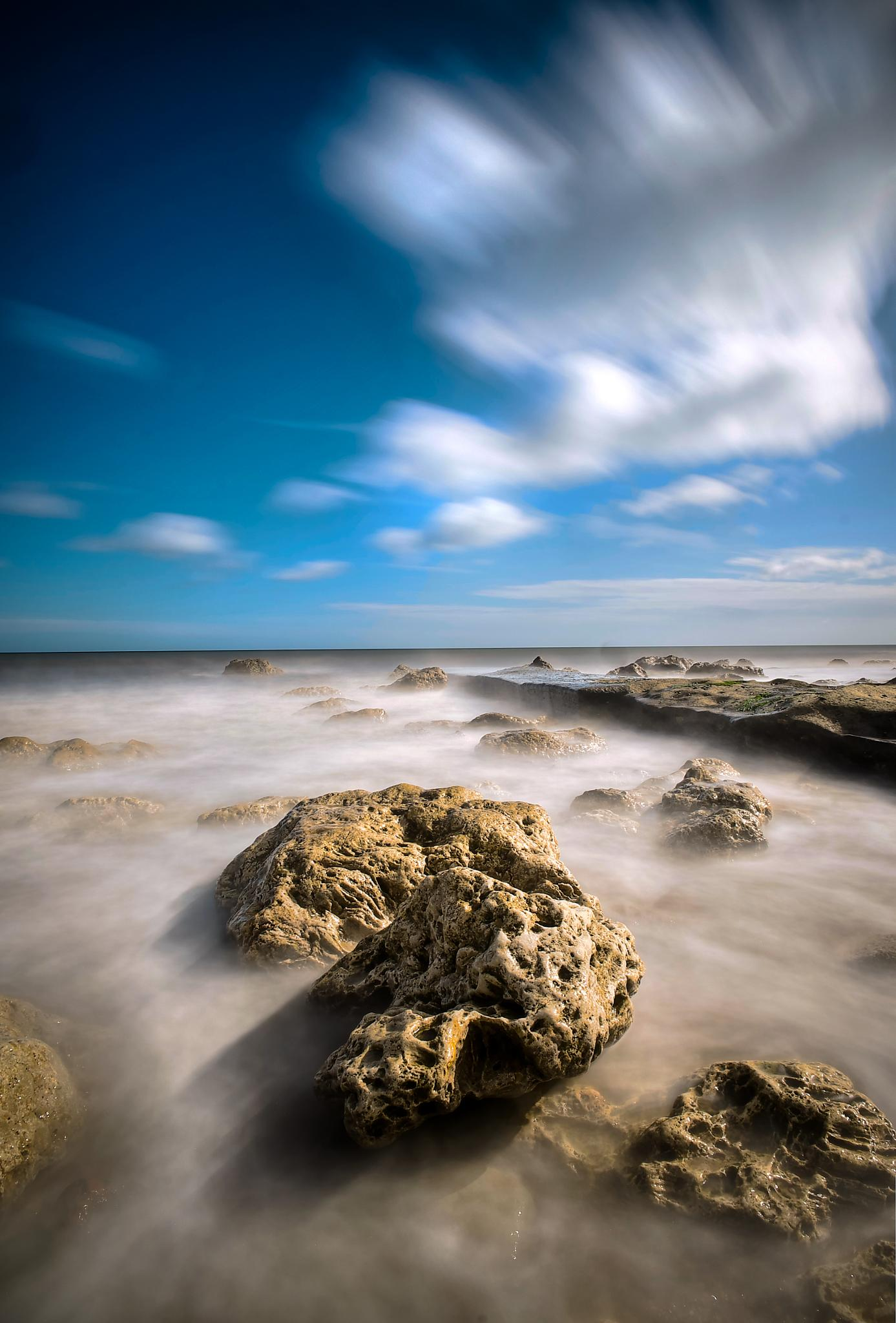 incomming tide by Peter Edwardo Vicente.