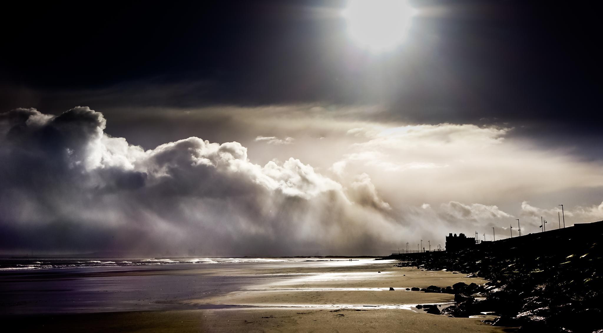 Threatening sky by Peter Edwardo Vicente.