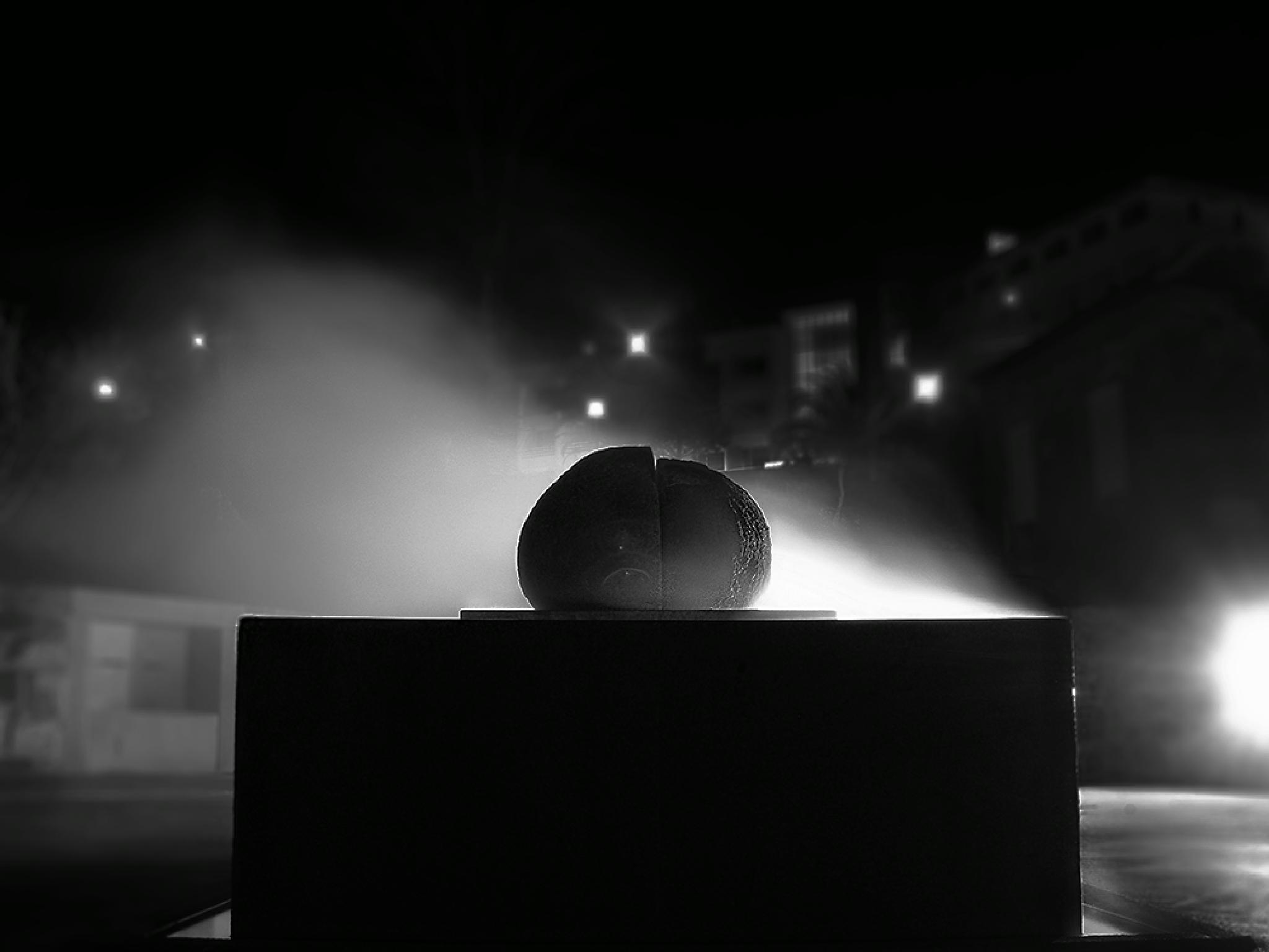 Night zen stone by Melo Camilo