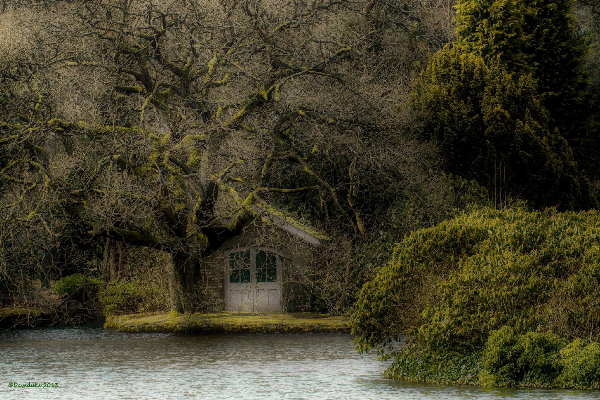 The Boat House, Lyme Park. by daviddukesell