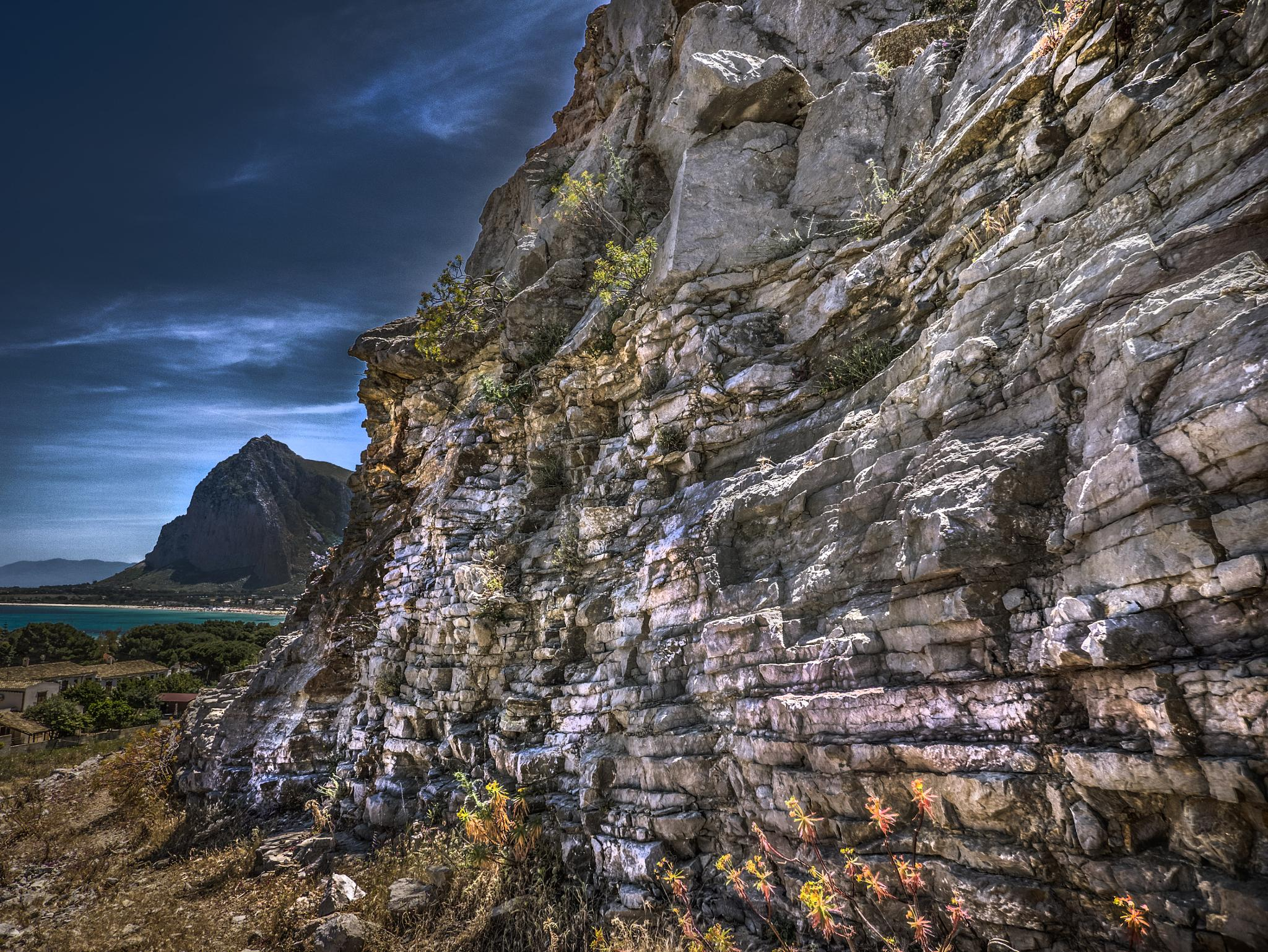 HDR from 7 shots +/-2EV by Giuseppe Fallica