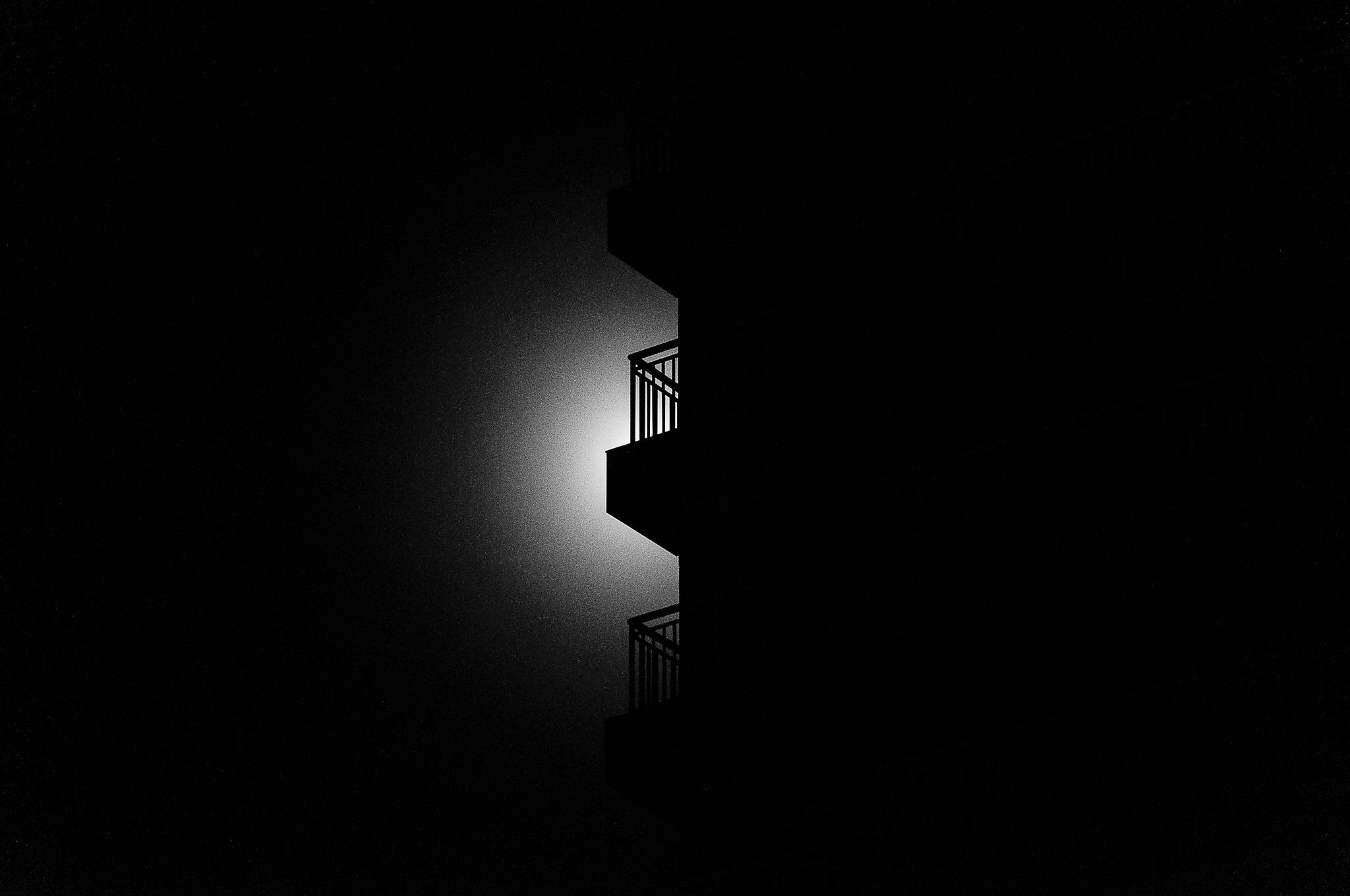 Sacada, Lua, Luz by Marcos Palhano