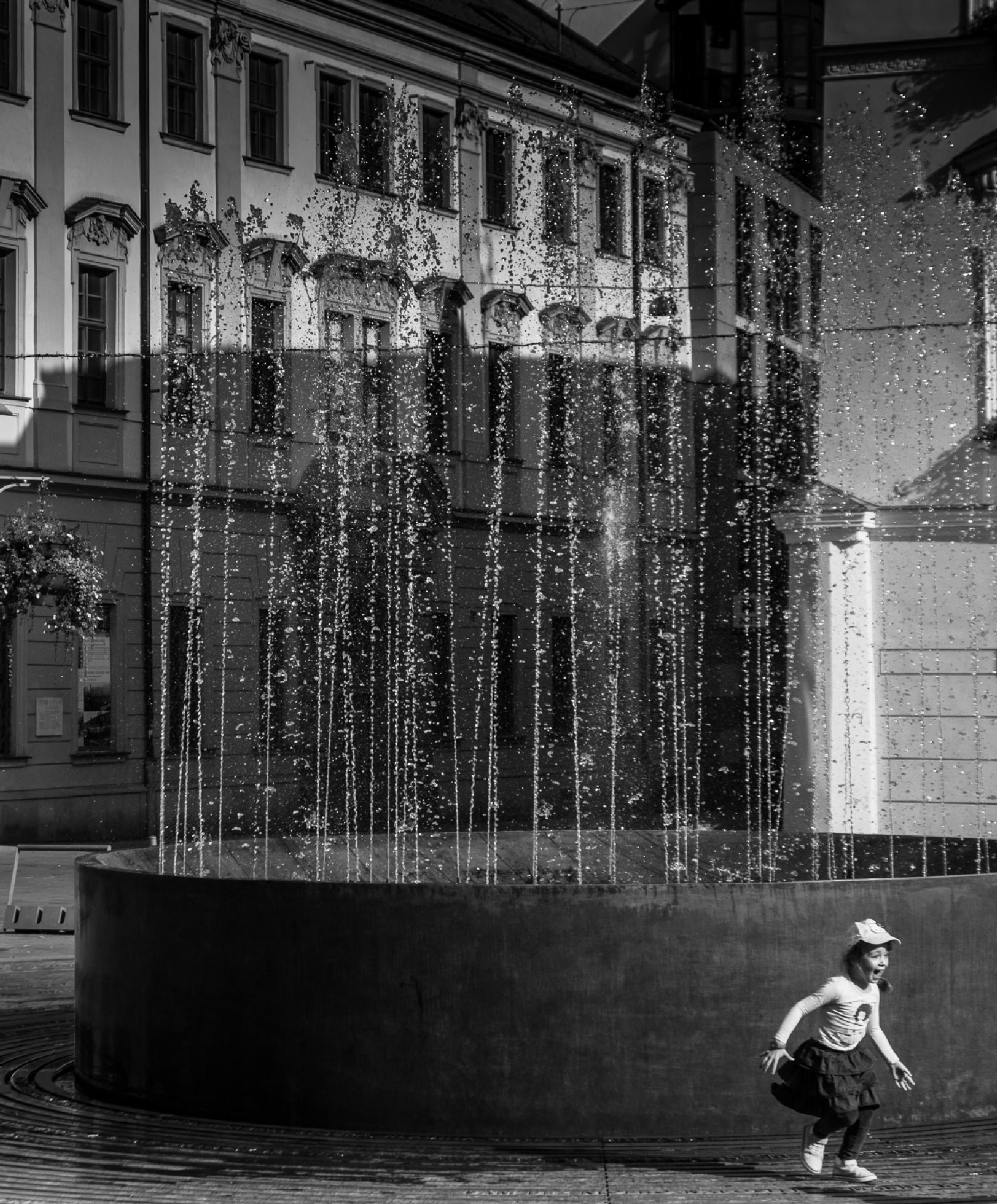 Splash! by IvanEs