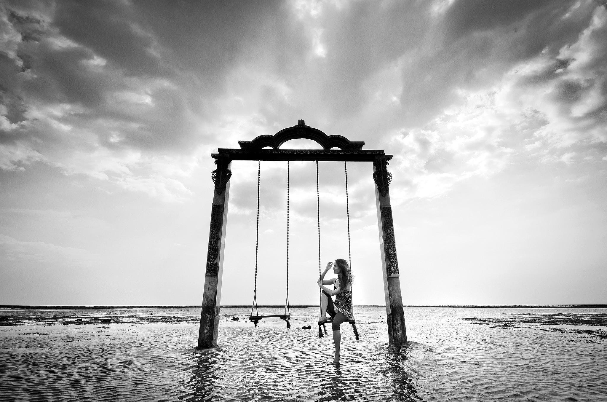 swing on the sea by edoardo.panella