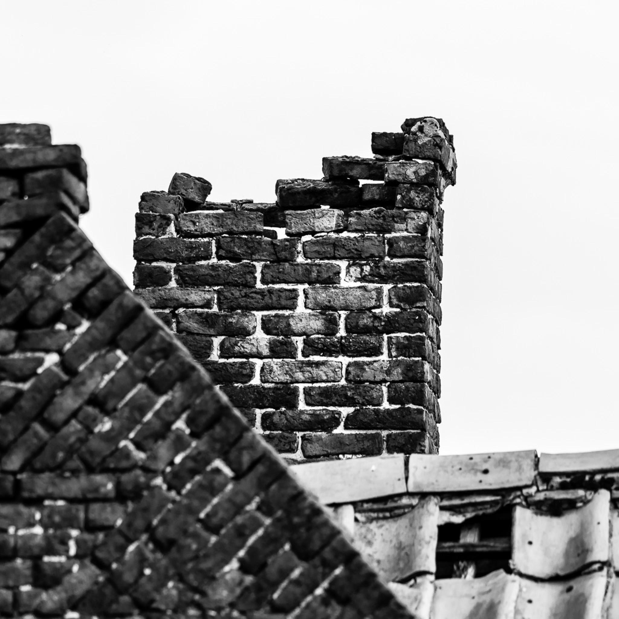 Brick balance by Frédéric Masure