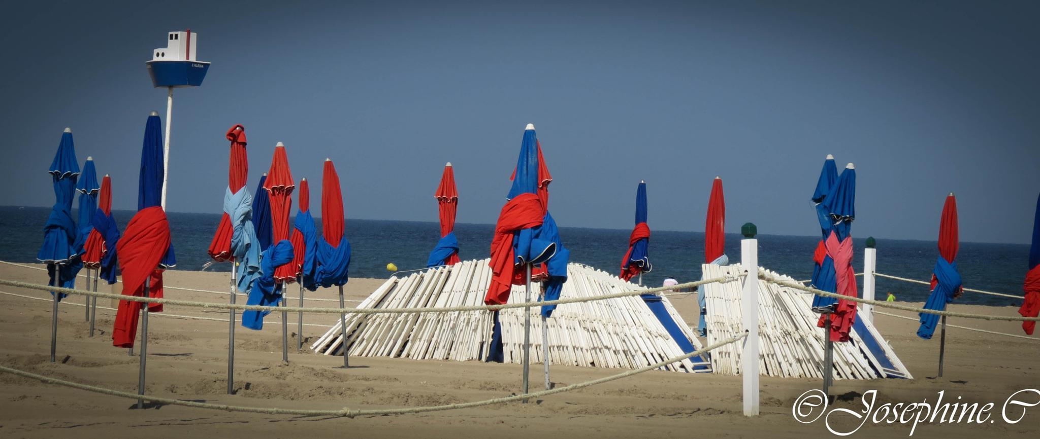plage de Deauville . by josephine Campi