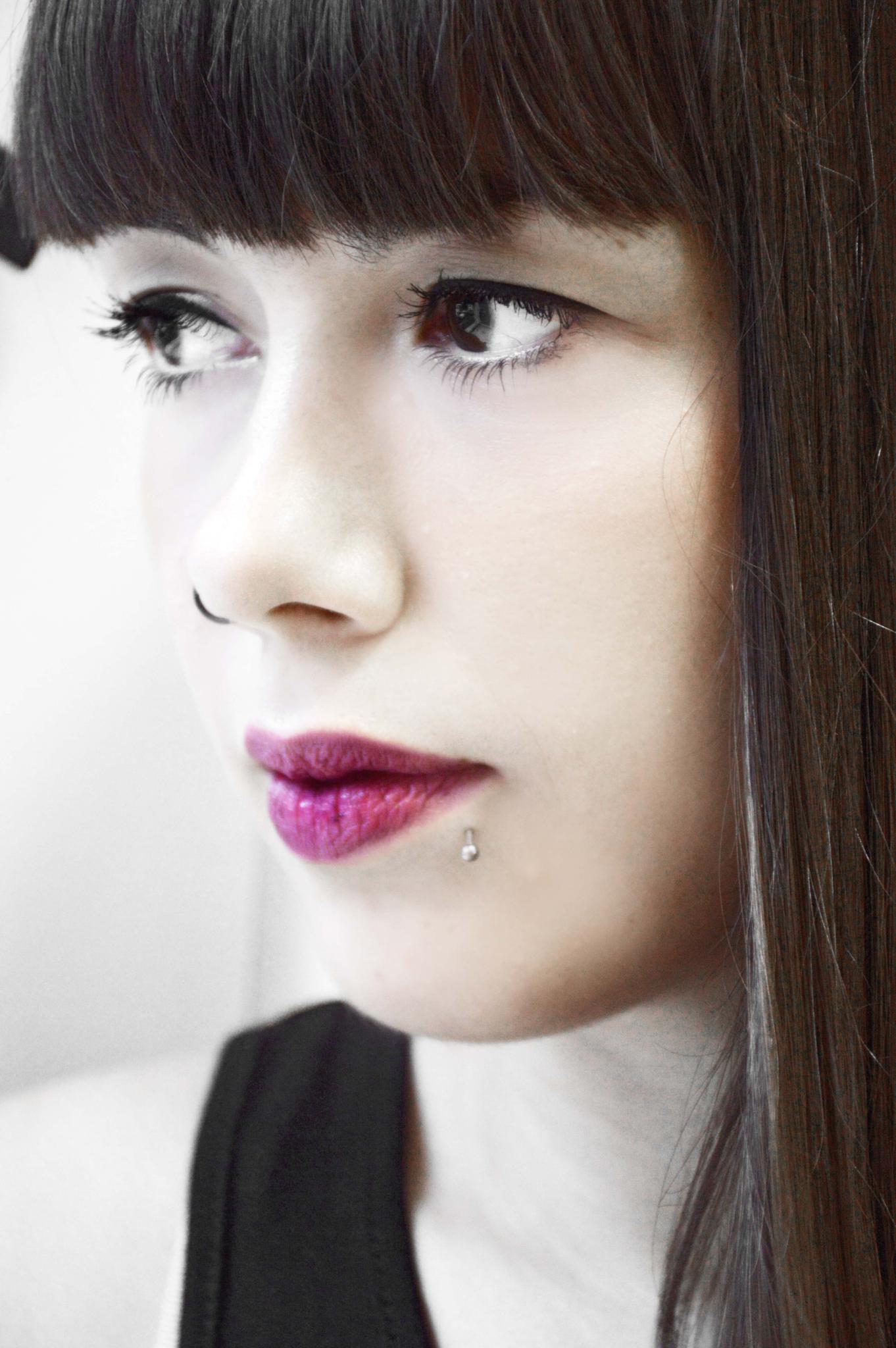 White girl by Helen Nikoloudaki
