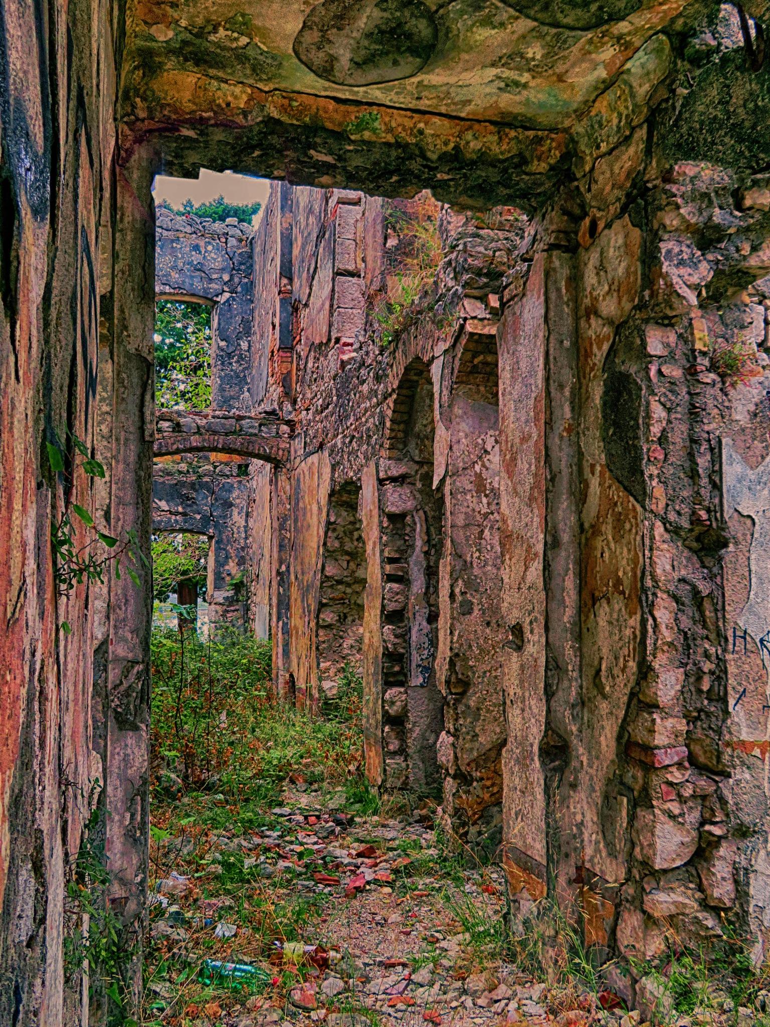 Inside that .. by sreten nakićenović