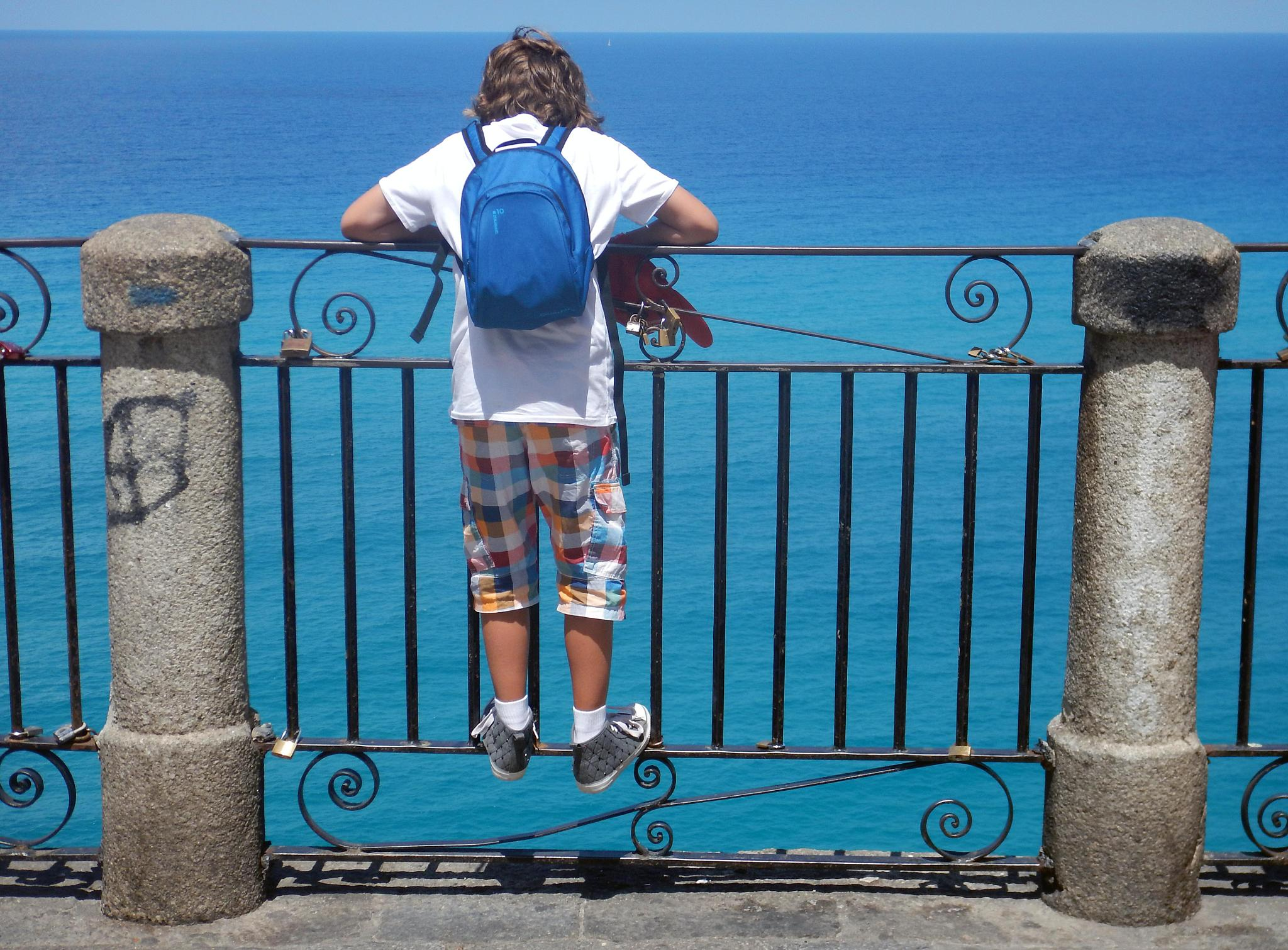the little tourist in Tropea by Roberto Russo