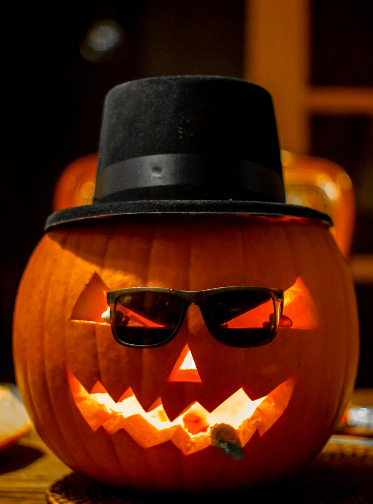 Photo in Abstract #pumpking #heisenberg #halloween #50mm #canon #600d #t3i #walter white #breaking bad
