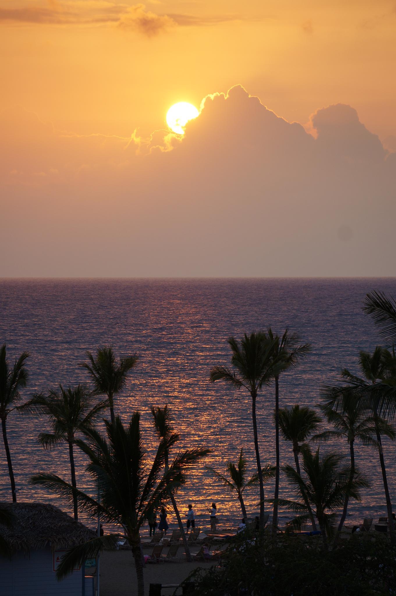 Big Island sunset by tanukisan