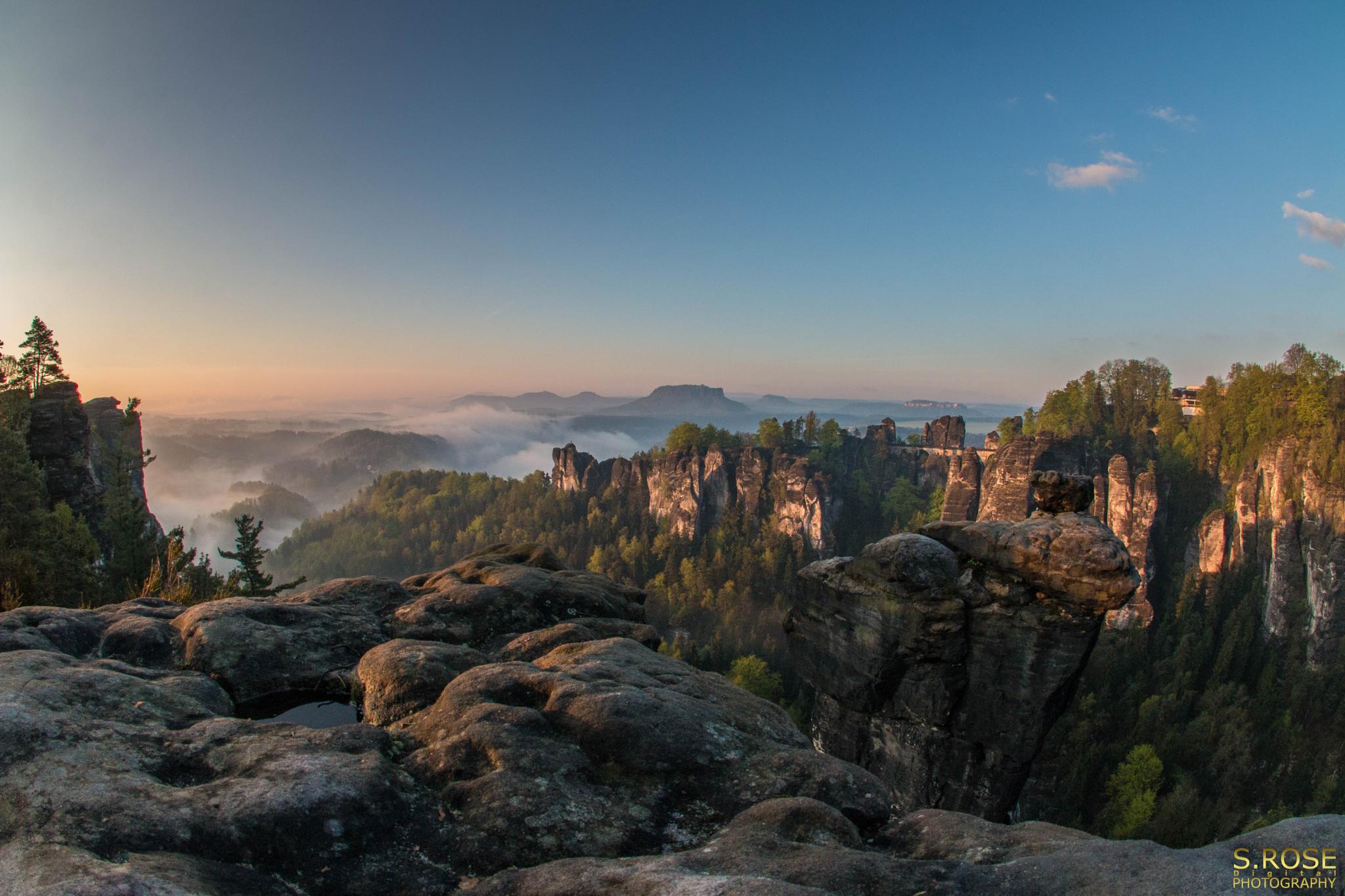 Photo in Landscape #bastei #bastion #sachsen #sandstein #elbe #fog #nebel #sunrise #sonnenaufgang #canon #berge #tal #lilienstein #pfaffenstein #castle #königstein #gohrisch #wehlnadel