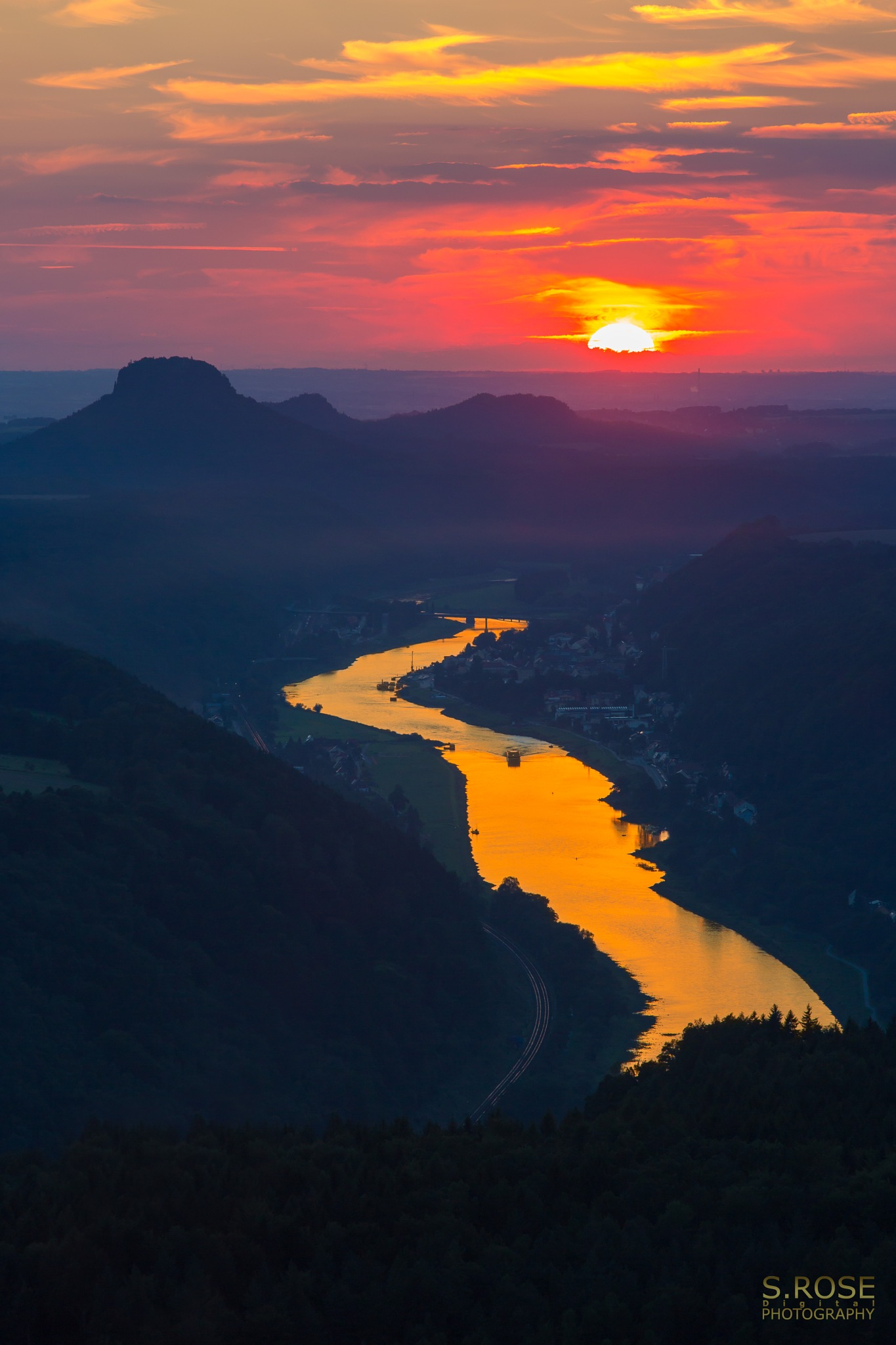 fire river by S.Rose Fotografie