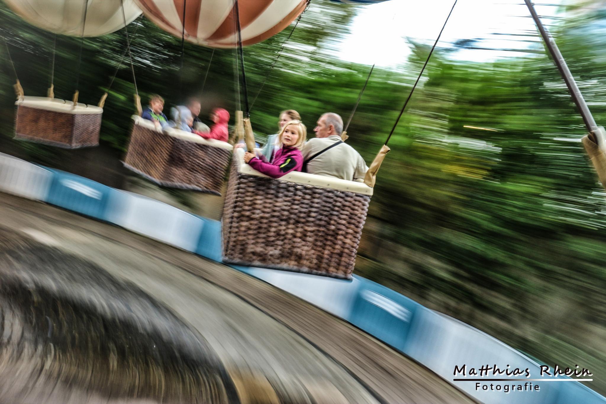 round and round... by MatthiasRhein