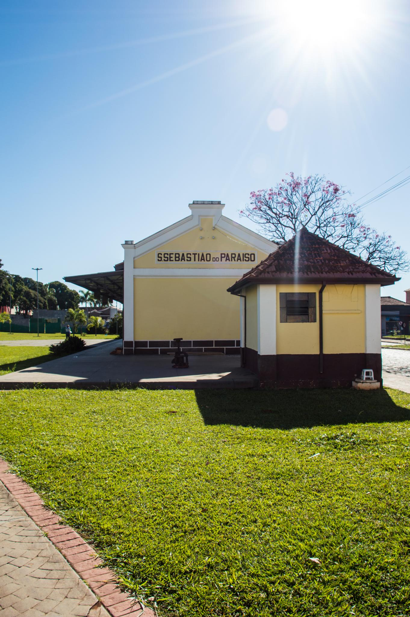 Estação de Trem de Sao Sebastiao do Paraiso by Diego Rodrigues