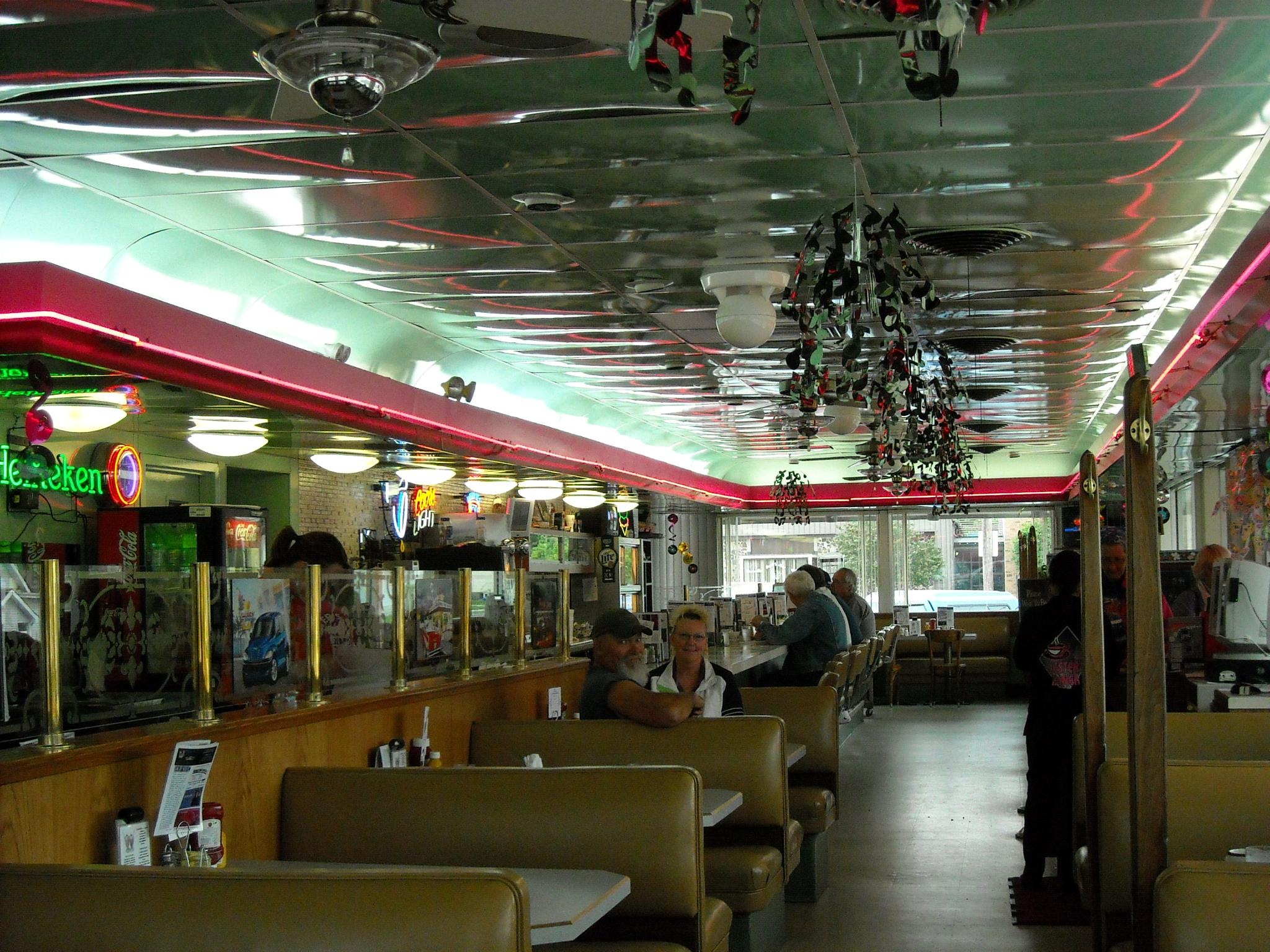 A trip back to the fifty's..Lester's Diner Bryan, Oh by sandi.mcclain.5