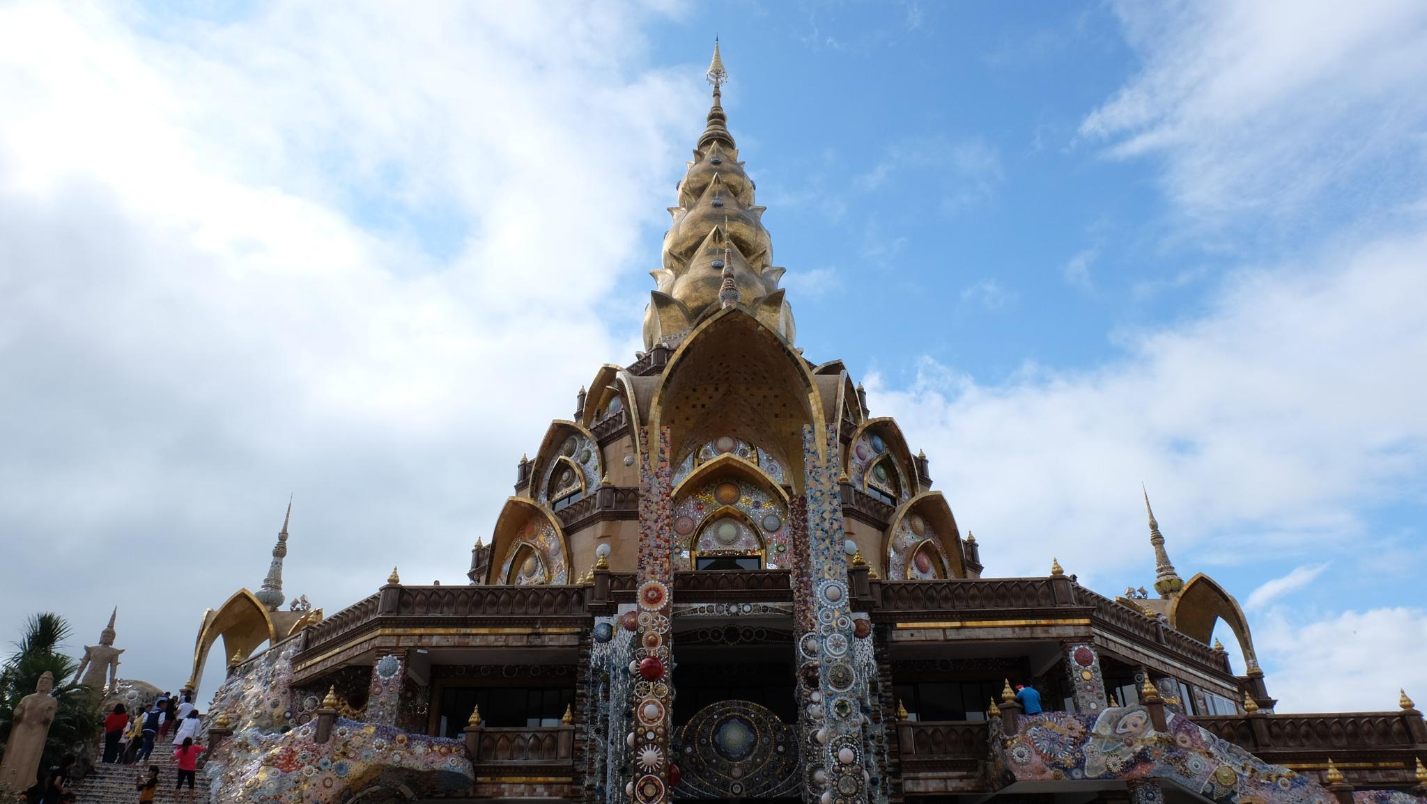 phasornkaew temple II by tontbao