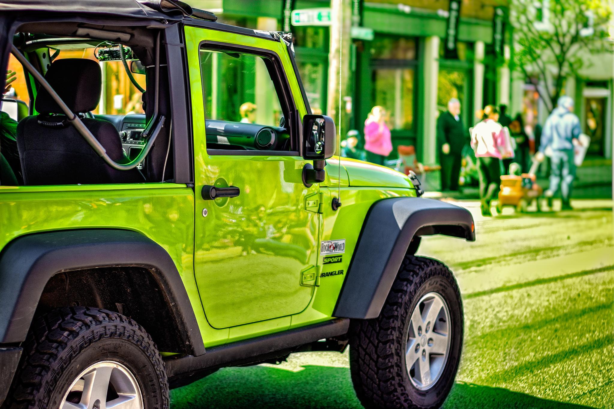 Guacamole jeep by Emmanuel Ruiz