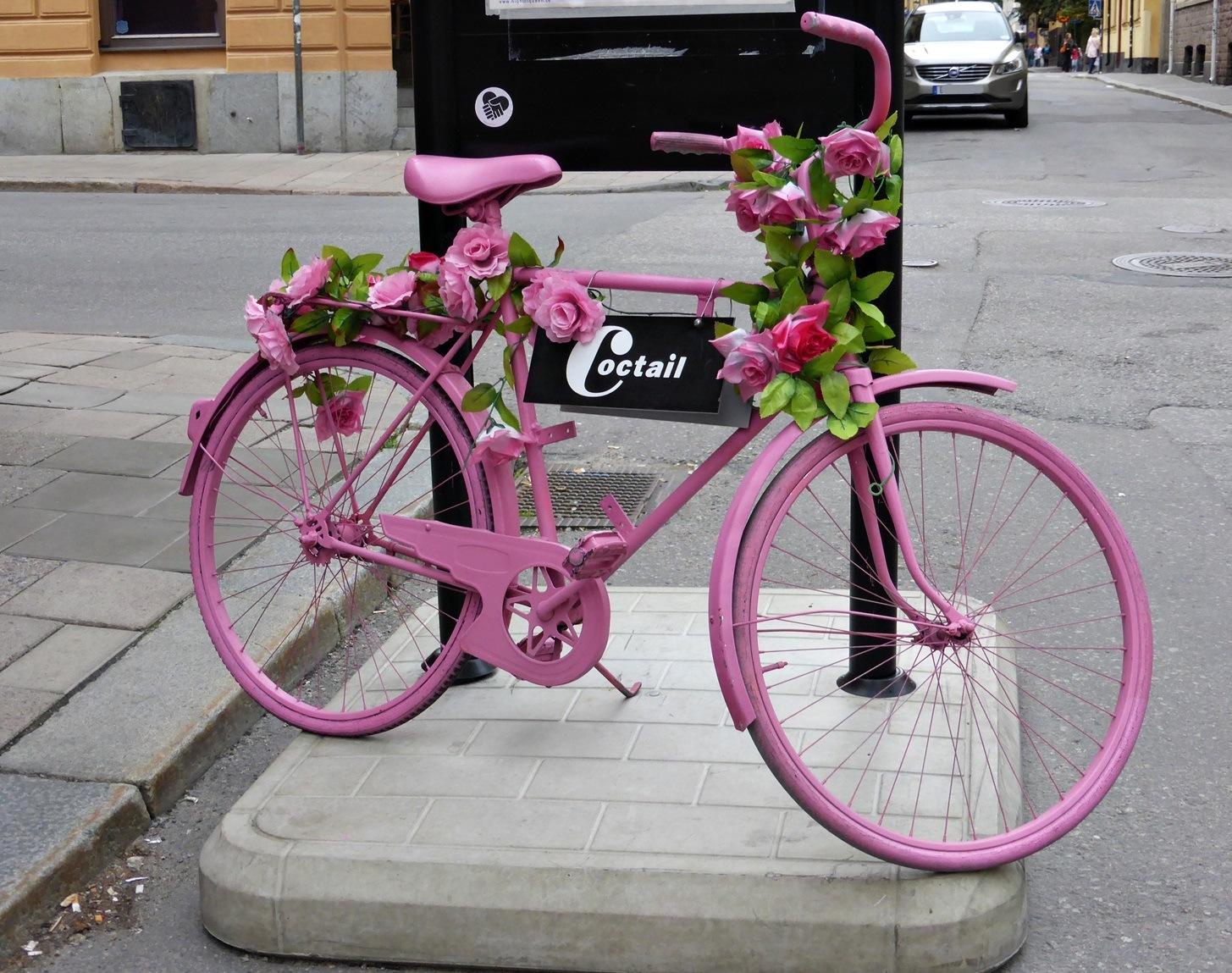 Pink bike by Luba