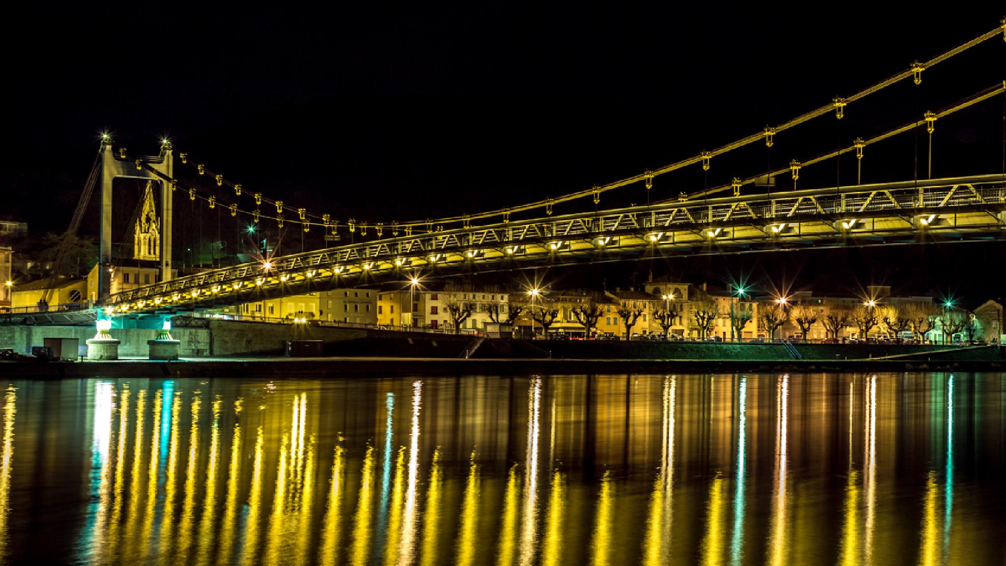 Over the river by olivier42