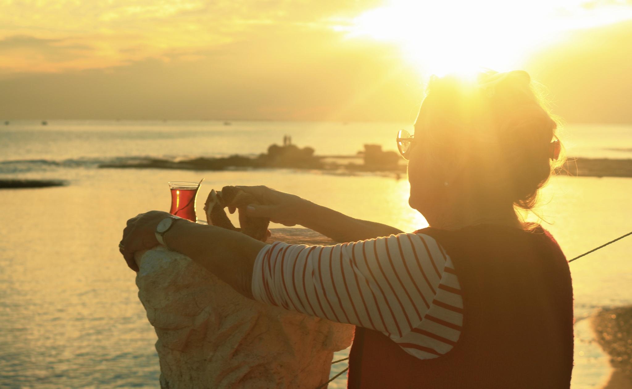 Gün batımında Çay ve Simit by meryem.g.ozkaya