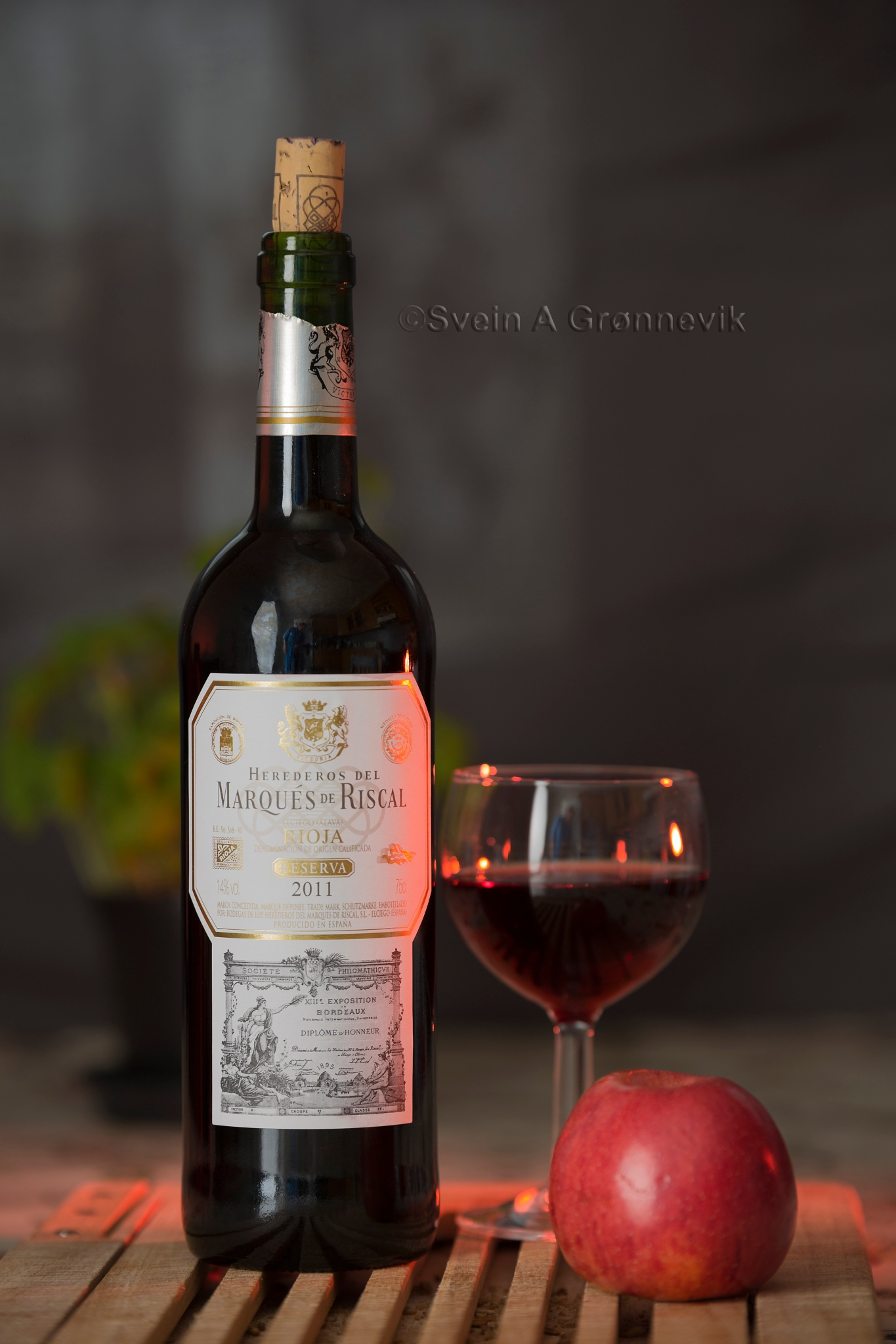 Photo in Food #food #red wine #apple #red #wine #red apple #romantic