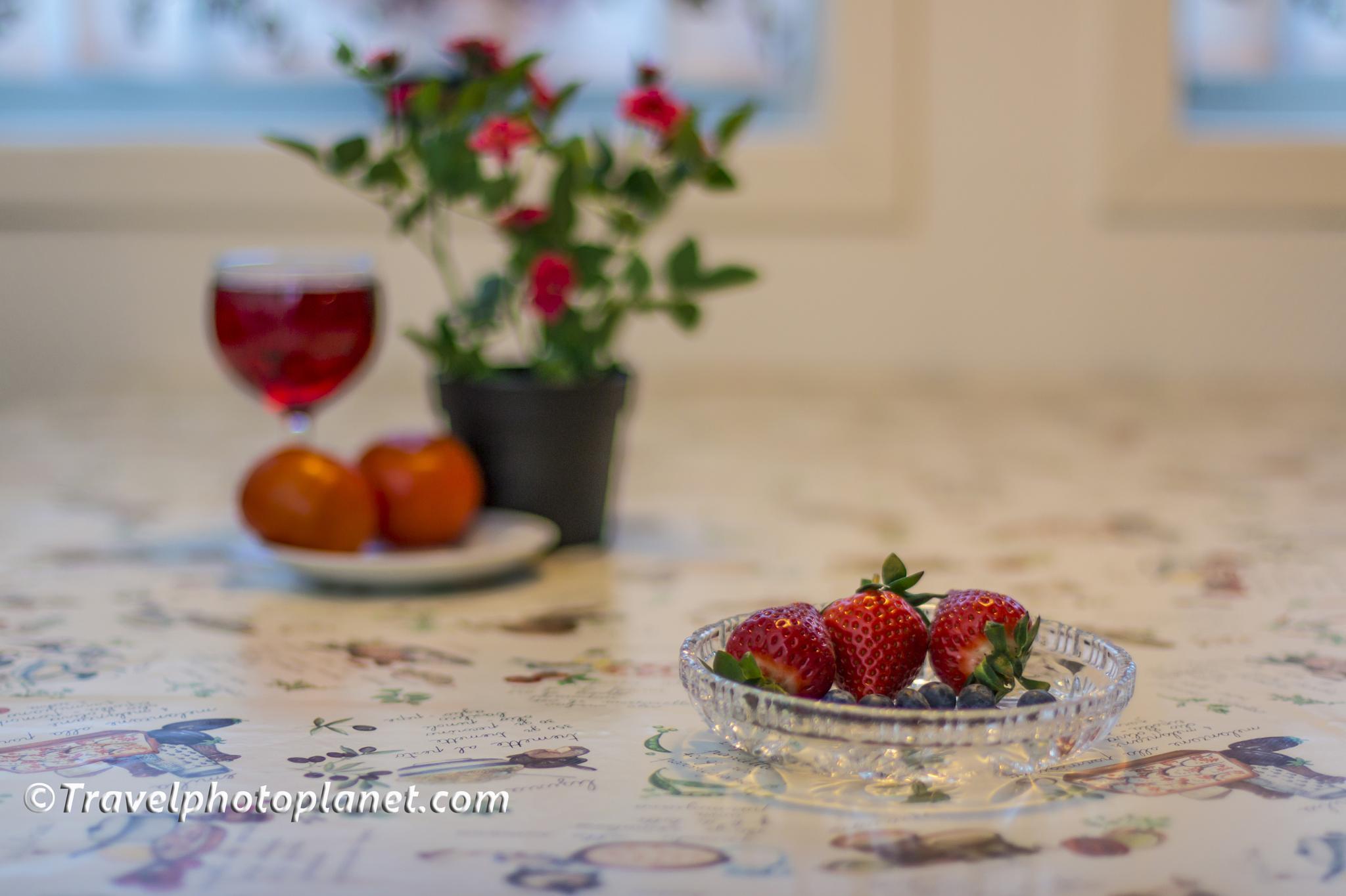 Berry Dessert by Svein Arne Grønnevik