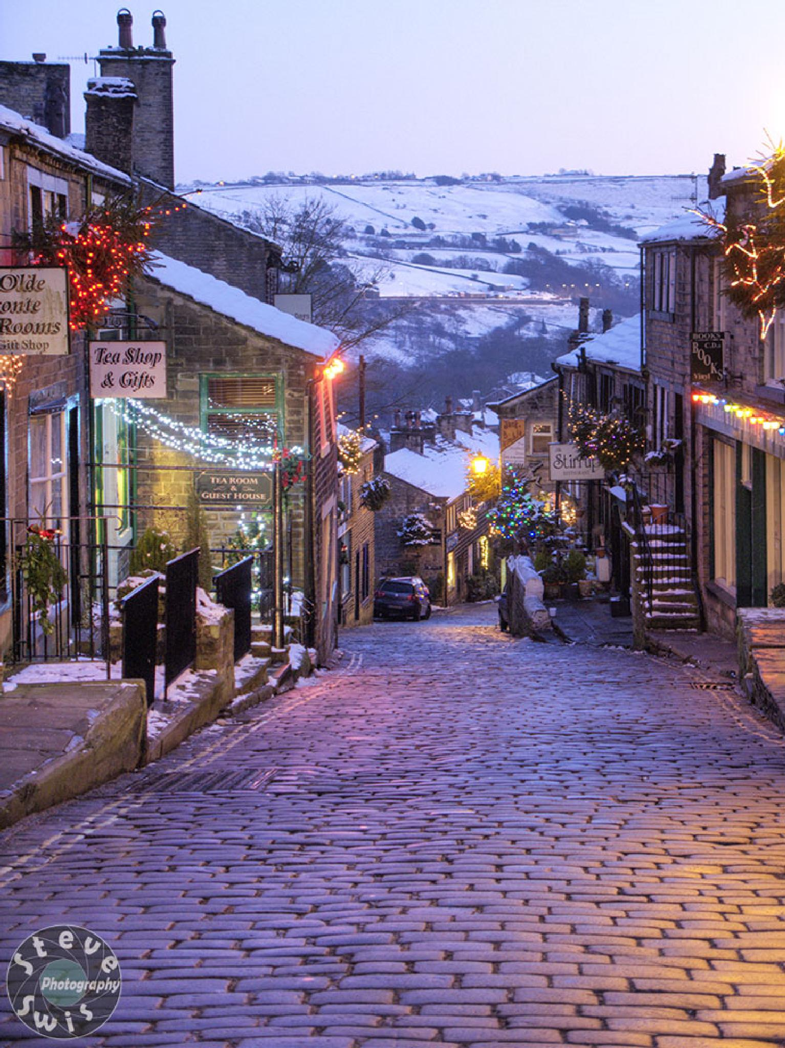 Haworth at Christmas time by Steve Swis