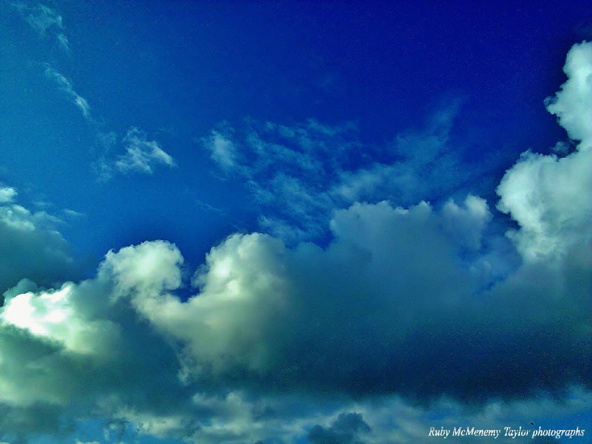 Sky over Dobbie's, Dechmont by RubyMacT