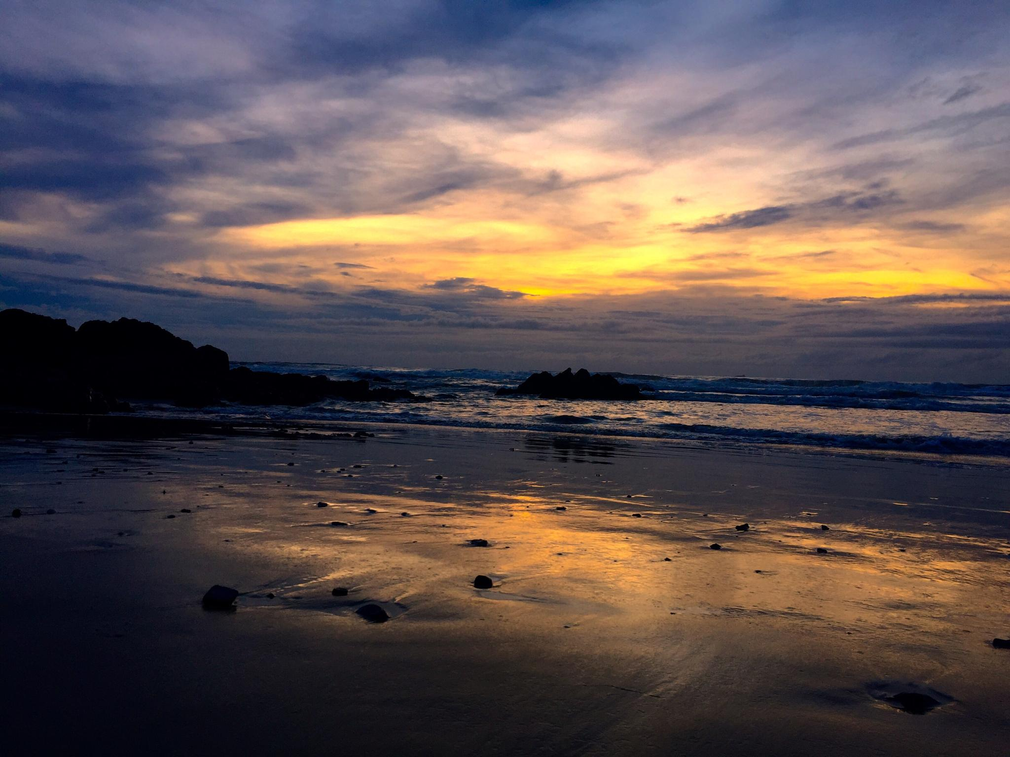 Sunrise in Nghingphong cap by Trinh Xuan Cuong