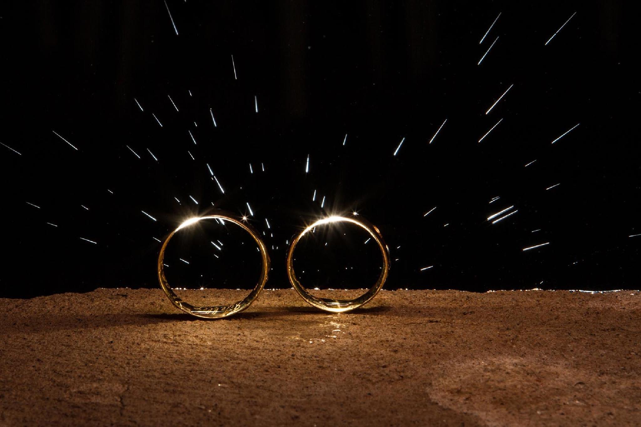 Wedding Rings by Fernando Graf