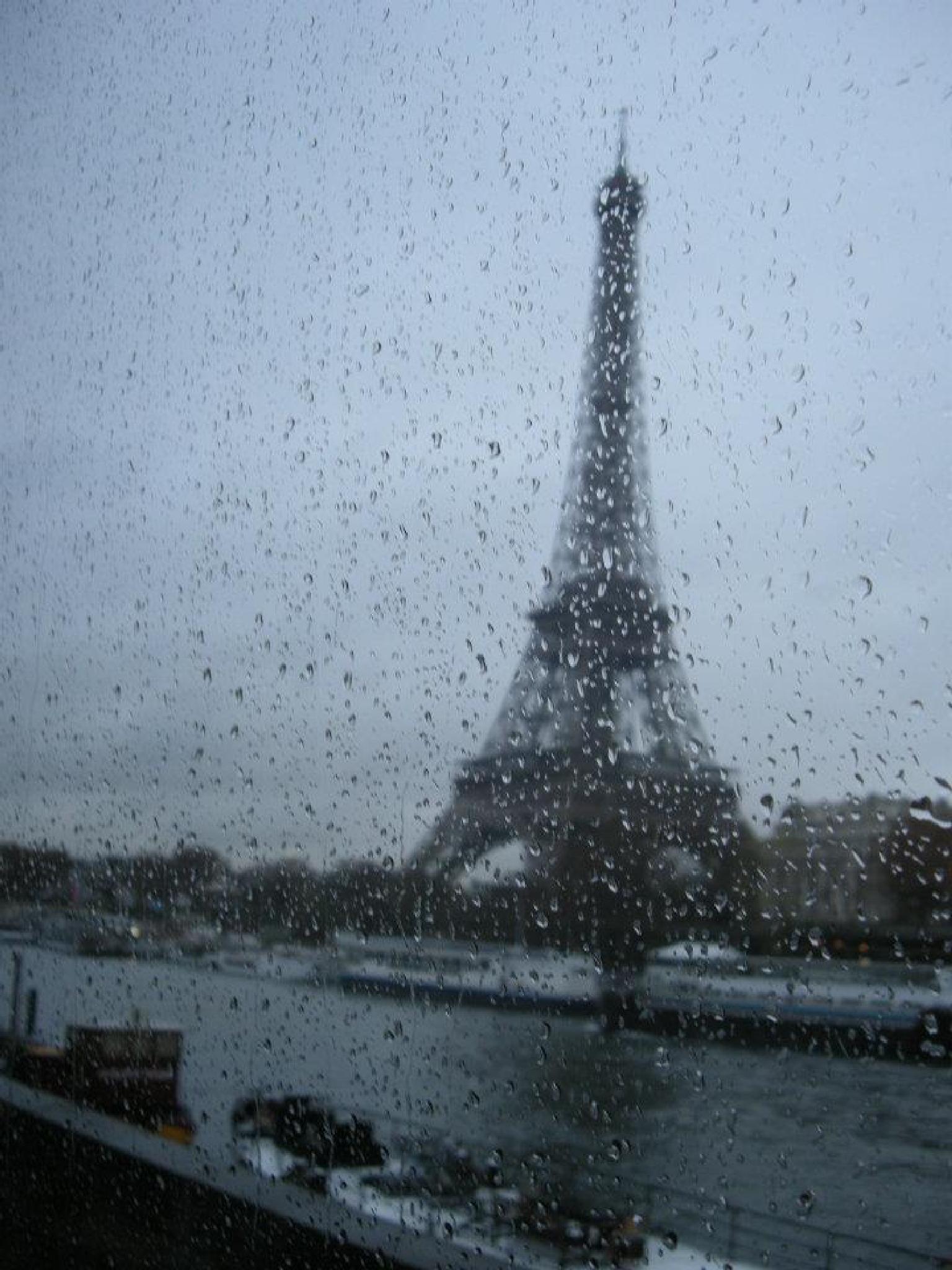 La pluie à Paris by olori.fiorella