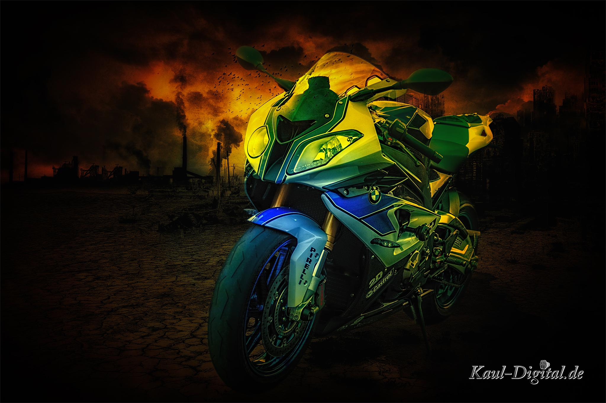 BMW HP4 by kaulpeter